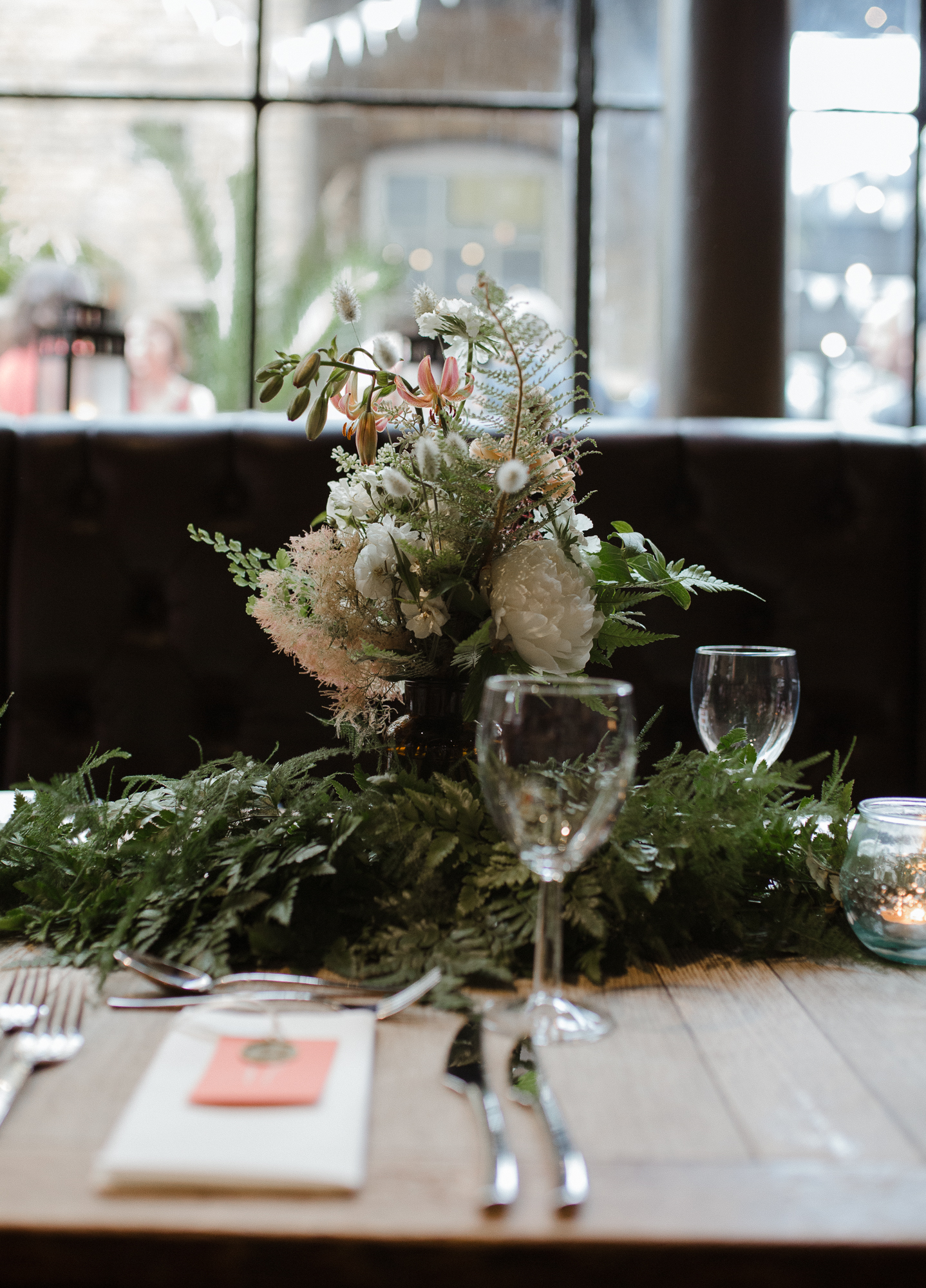 Nicebunch wedding flowers sula london-islington-town-hall-depot-n7 ethical british luxury bottles ferns stephanie-green-wedding-photography4