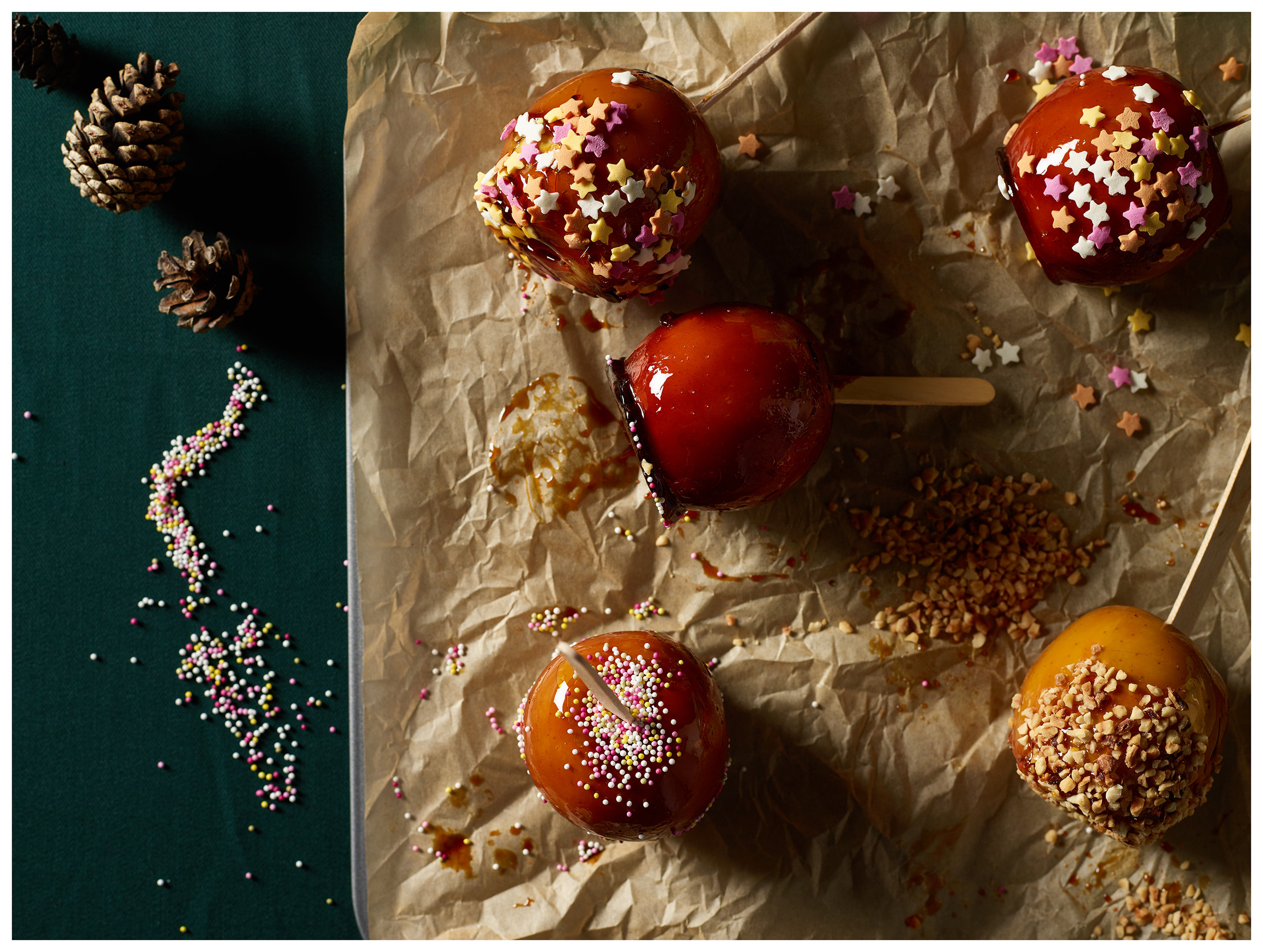Topped toffee apples
