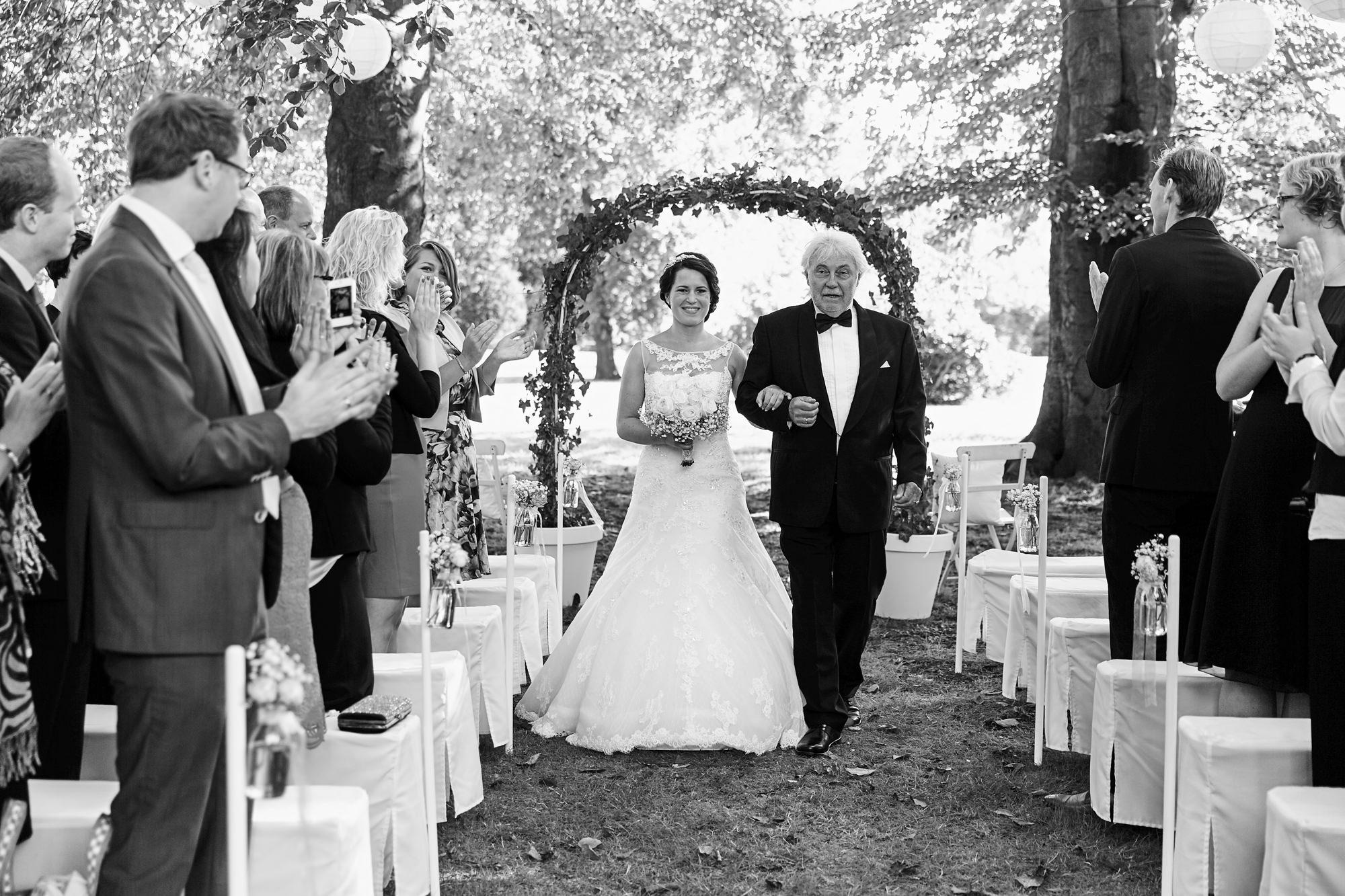 bruidsfotografie-duitsland-schloss Hertefeld-weeze-trouwreportage-279A.jpg