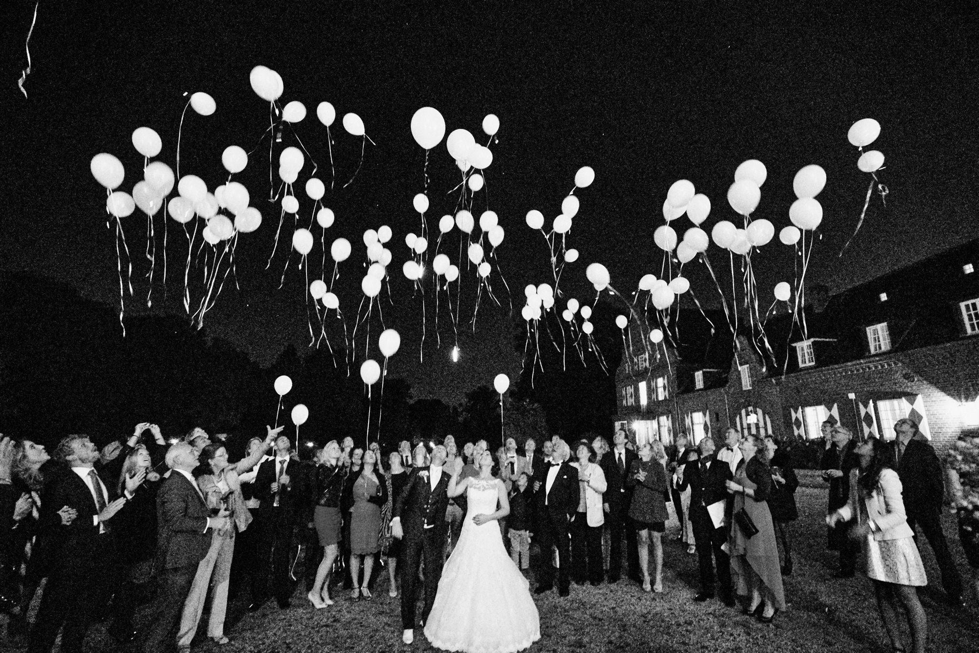 bruidsfotografie-duitsland-schloss Hertefeld-weeze-trouwreportage-296A.jpg