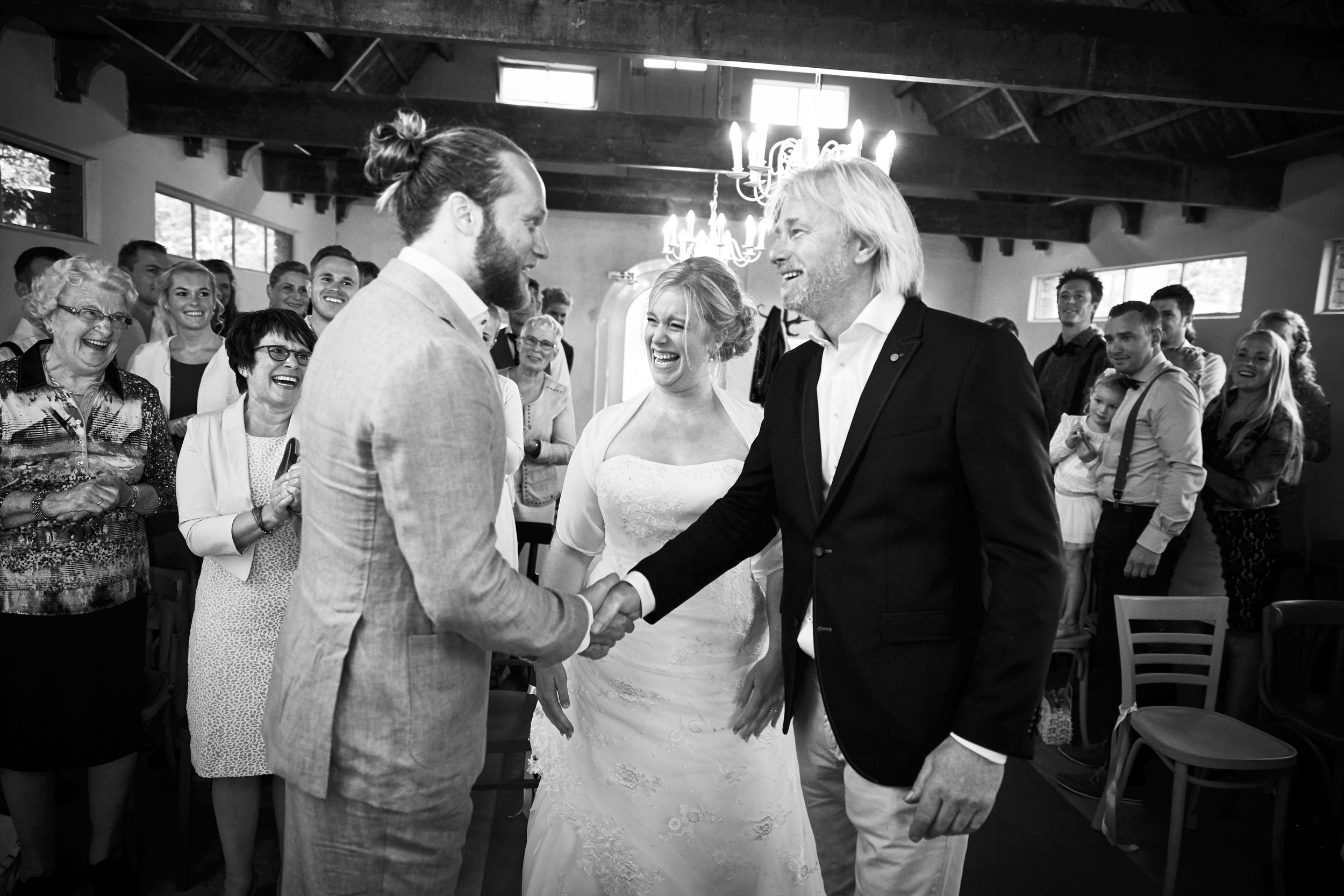 trouwshoot-bruidsfotografie-trouwfoto-feestfotografie-Akke-Rogier-14.jpg