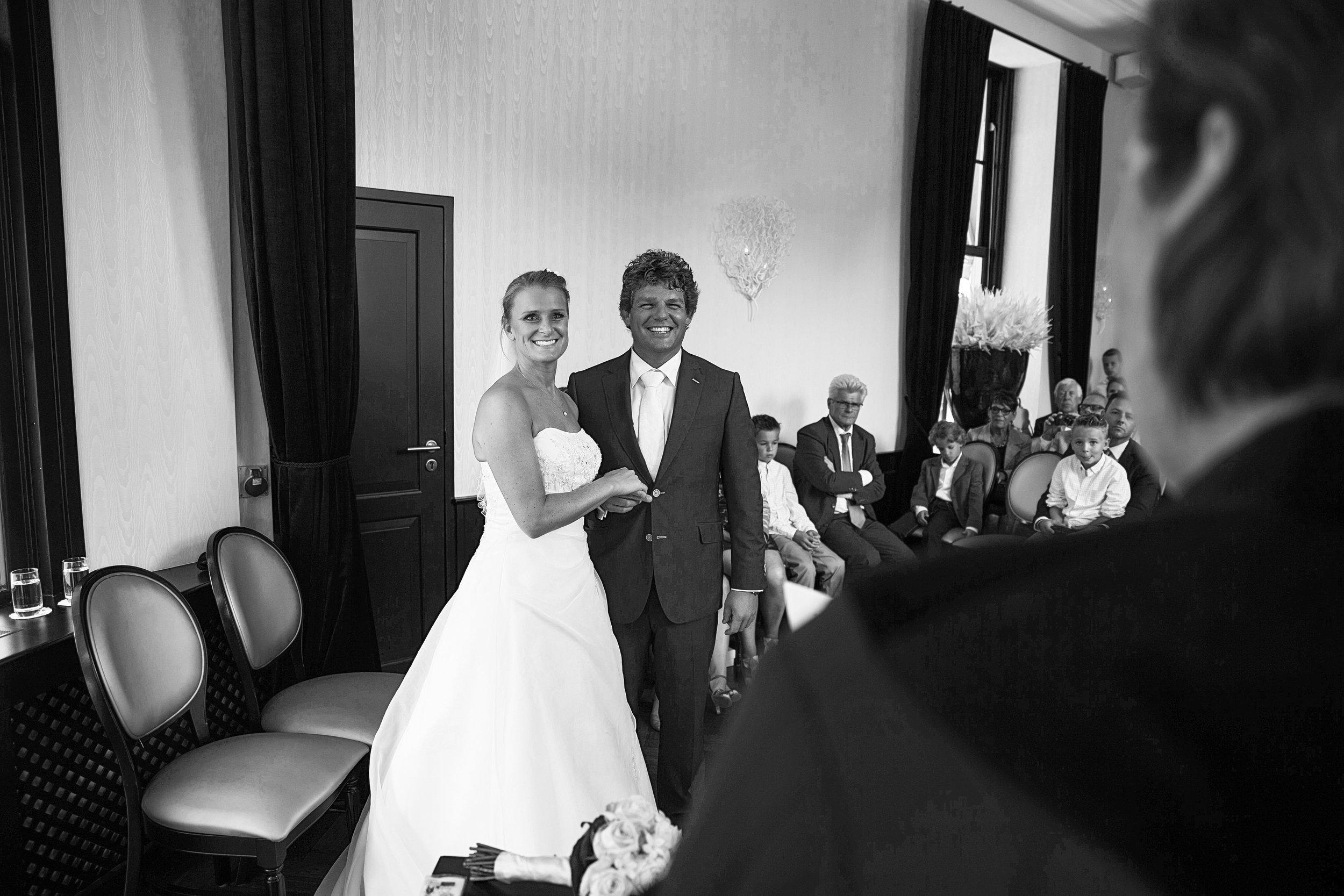trouwshoot-bruidsfotografie-trouwfoto-feestfotografie-liselotte en matthijs-236.jpg