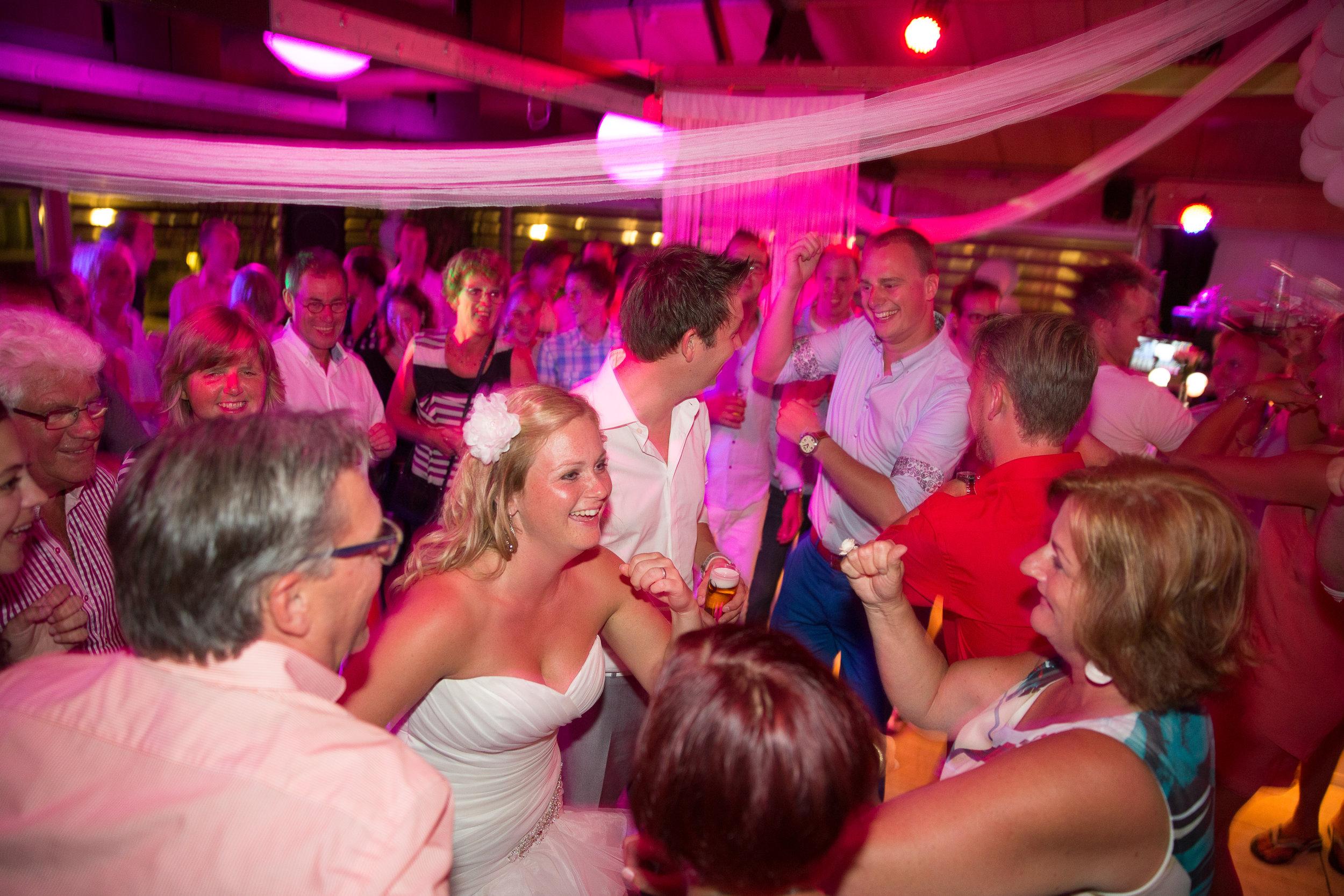 trouwshoot-bruidsfotografie-trouwfoto-feestfotografie-sabine en ferry-274.jpg