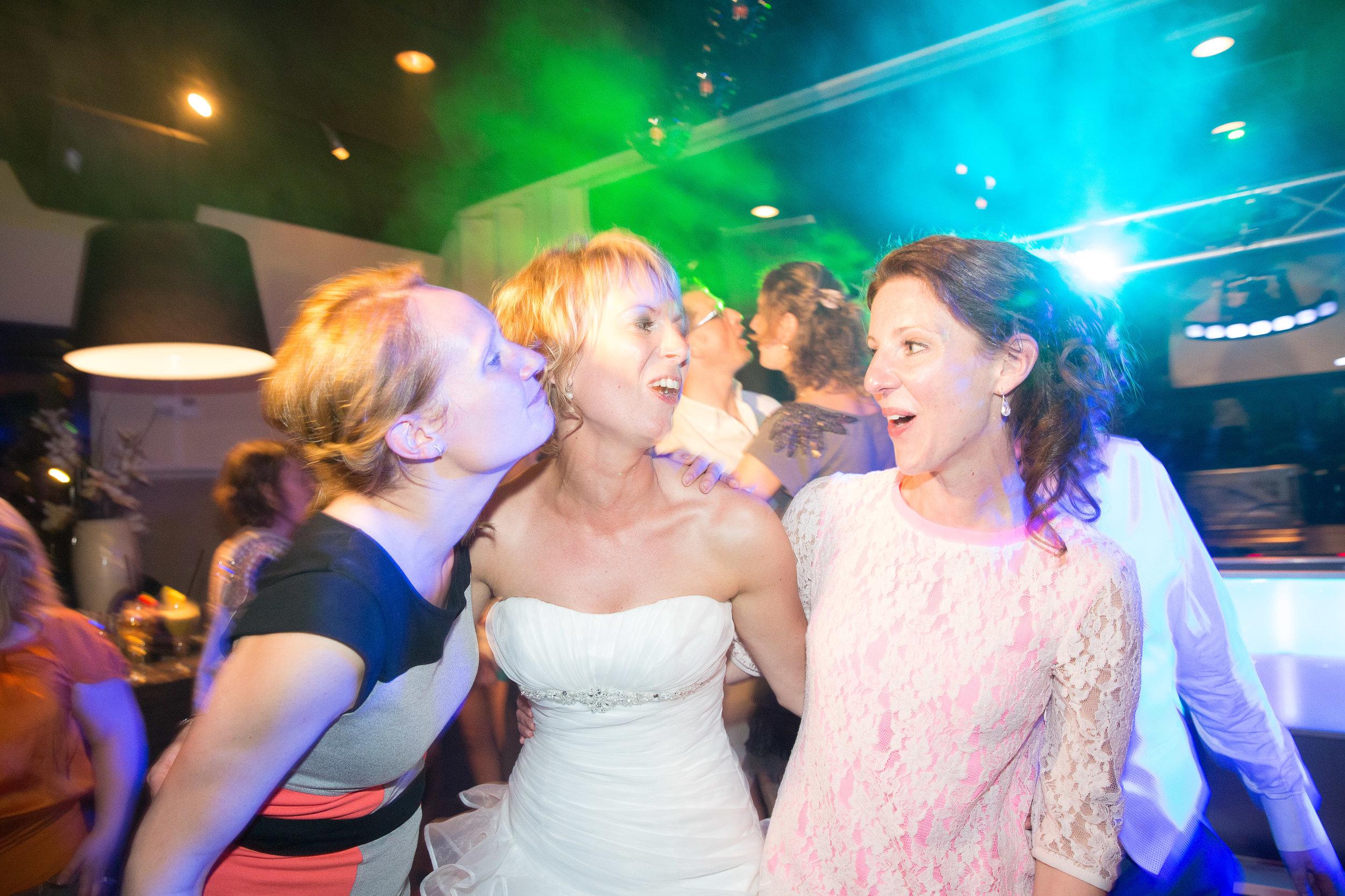 trouwshoot-bruidsfotografie-trouwfoto-feestfotografie-marcel en desiree-298.jpg