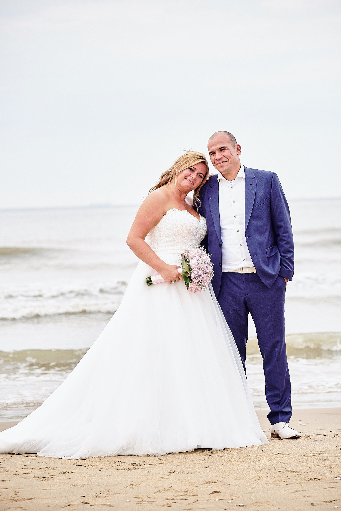 de trouwreportage van Vanessa en Manuel in Down Under Scheveningen