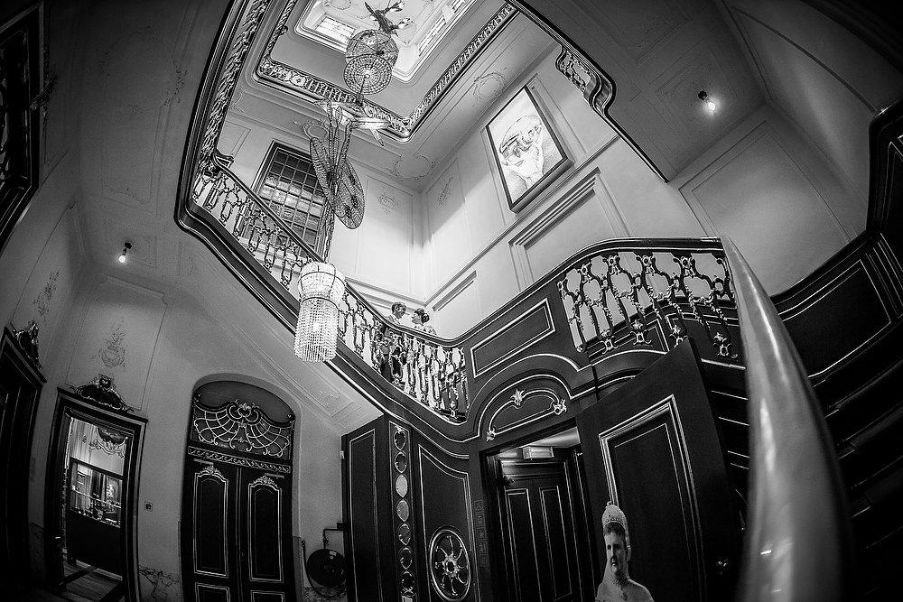 trouwshoot bruidsfotografie in het Escher museum