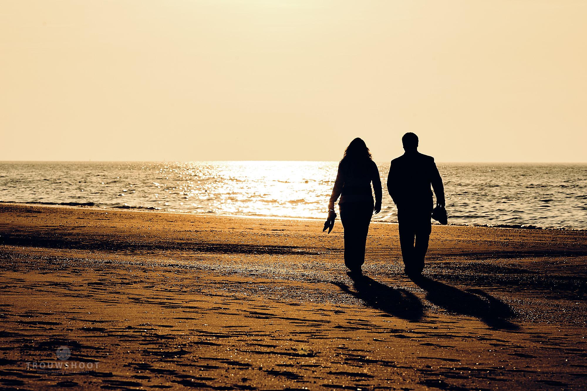trouwshoot loveshoot op het strand