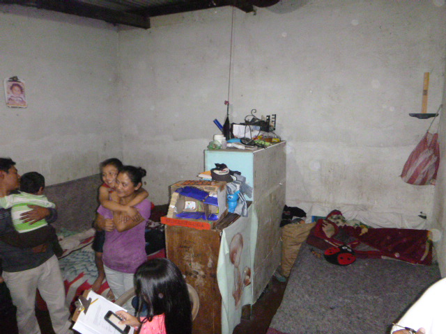 Ricardo's family all live together in this room