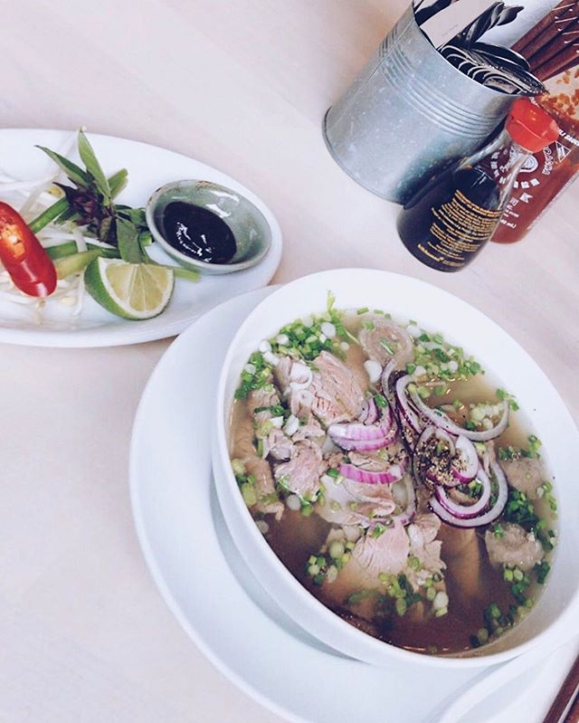 It looks so simple, but tasted extremely delicious 👌 📸 @thisisjus . . #steamypho #vietnamesefood #vietfood #gothenburg #instafood #healthy #eatclean #tasty #ngonqua #streetfood #eeeeats #feedfeed #yummymummies #göteborg #odinsplatsen #vietnamesiskmat #phobo