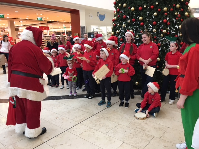 Christmas Carol singing 6.JPG