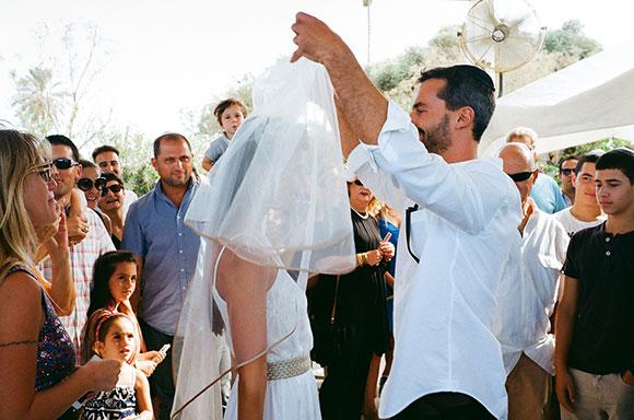 27.9.15 - HE GOT MARRIED