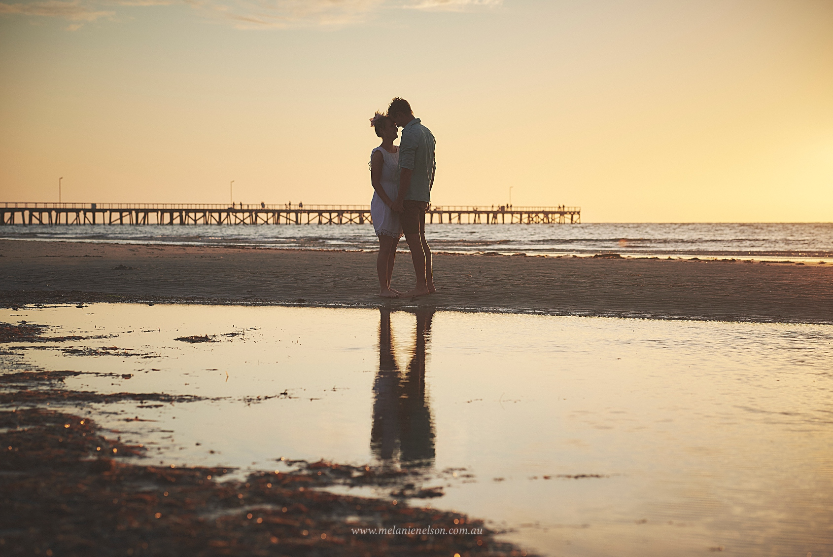 beach_engagement_photography_adelaide_0013.jpg