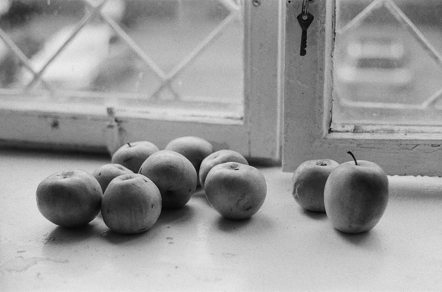 Nature-morte with apples