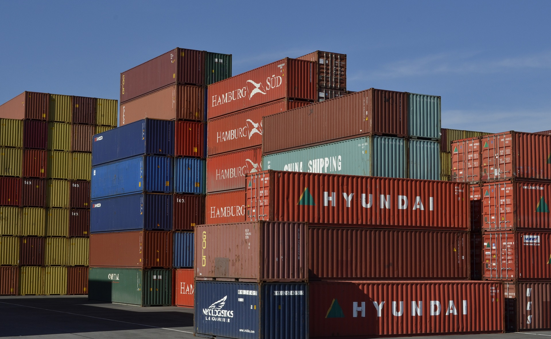 container-789488_1920.jpg