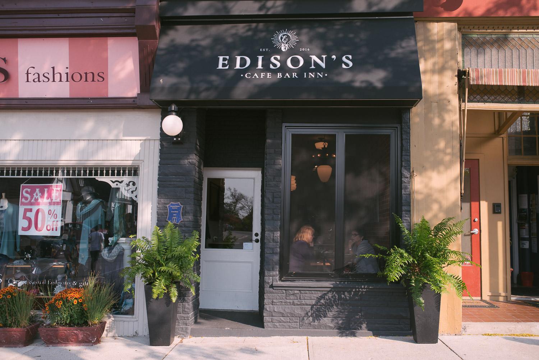 Edisons-Cafe-Stratford-Interior-003.jpg