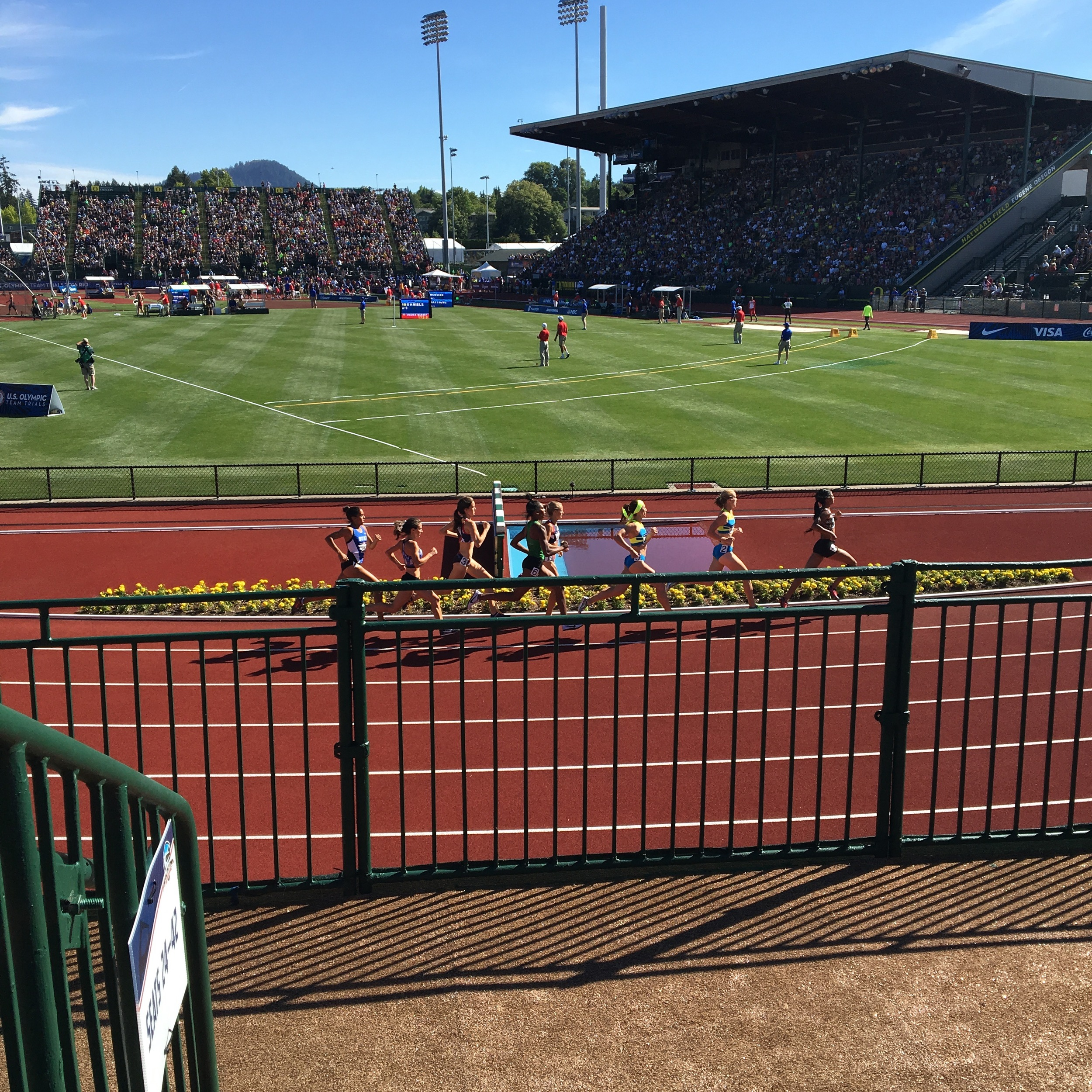 Semifinal round of the women's 800m