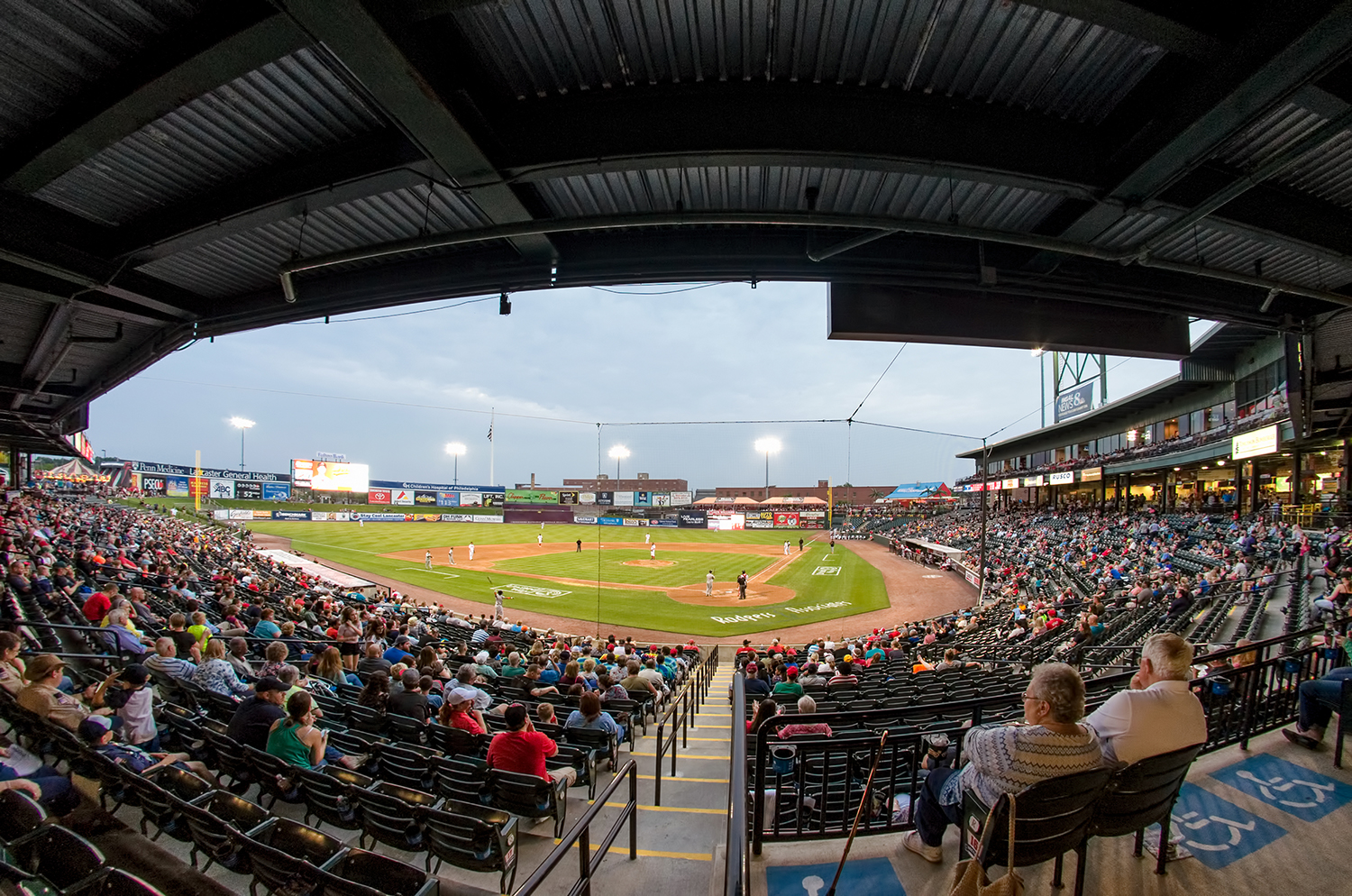 Lancaster Barnstormers - Let us take you out to the ball game and rediscover Lancaster's love of baseball.