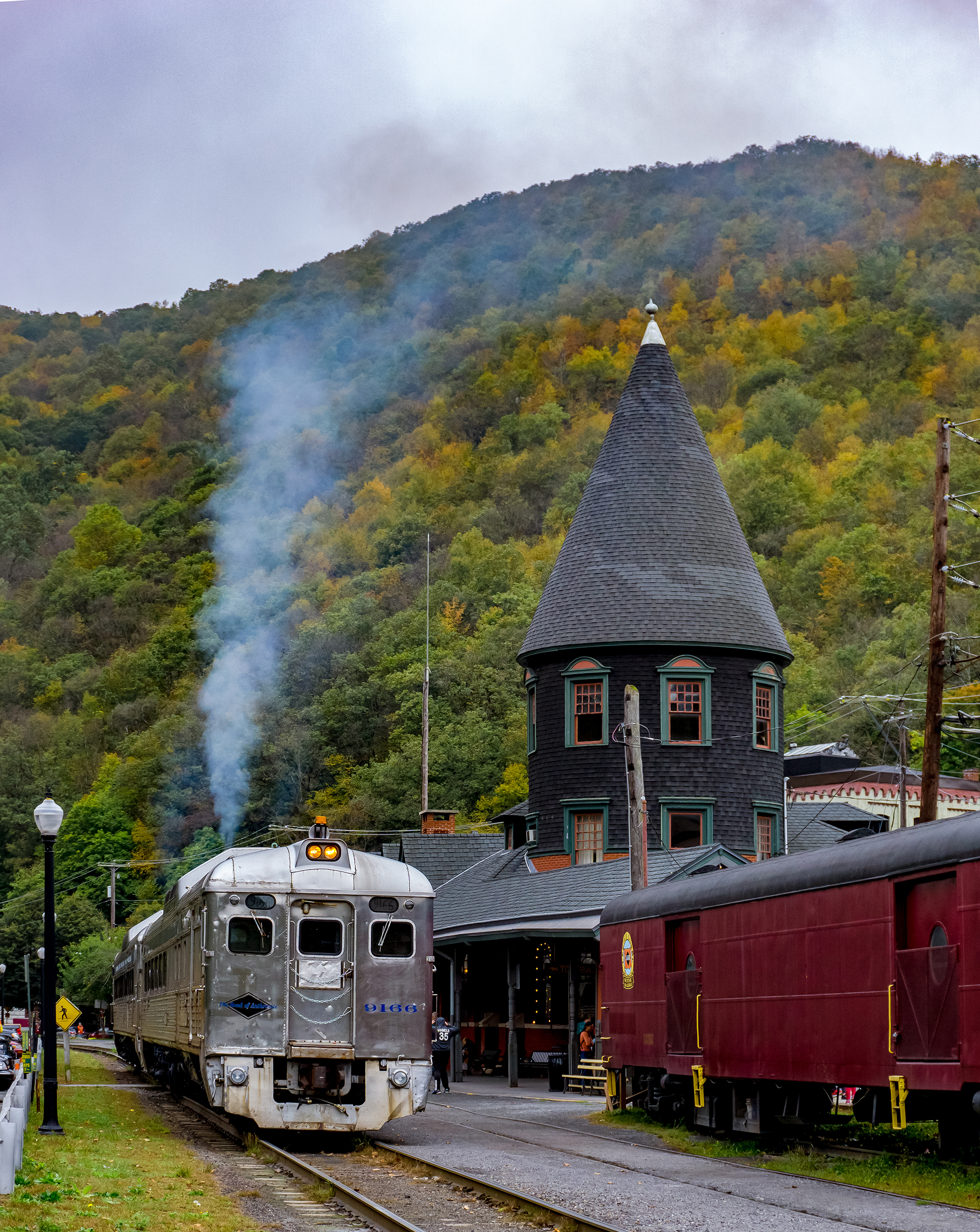 Weekend Getaway ... Jim Thorpe - Featured Article - Looking for a place to getaway here in PA? Head to Jim Thorpe at the foothills of the Poconos and discover this unique small town nicknamed the