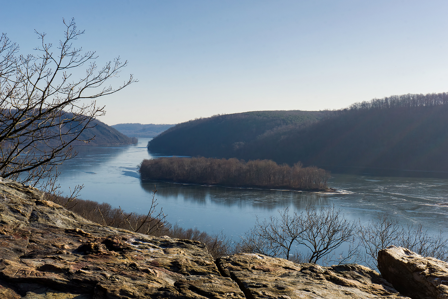 House Rock Nature Preserve - A rustic and rural nature preserve with an impressive view over the Susquehanna ...