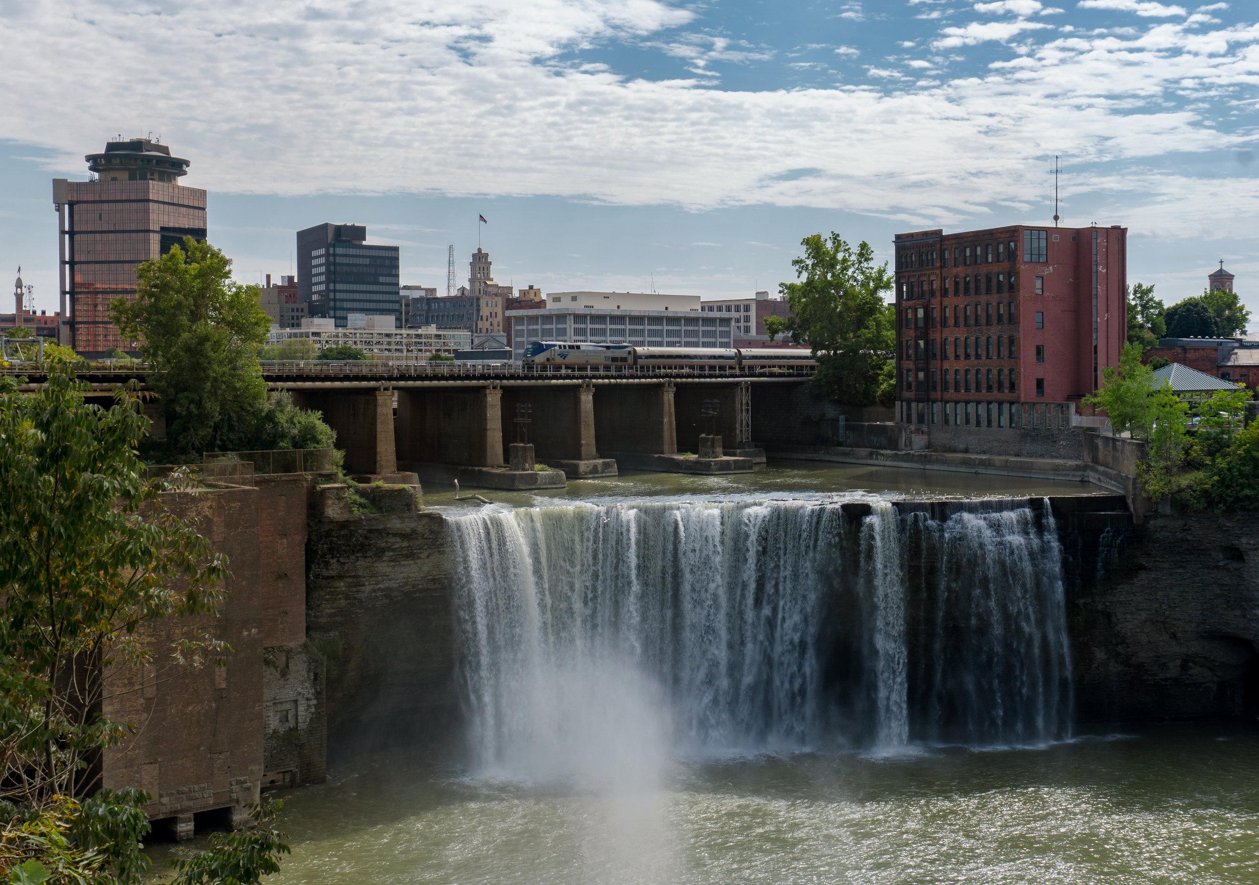 1630 - Niagara Falls 2018 - Upper Falls Rochester Amtrak