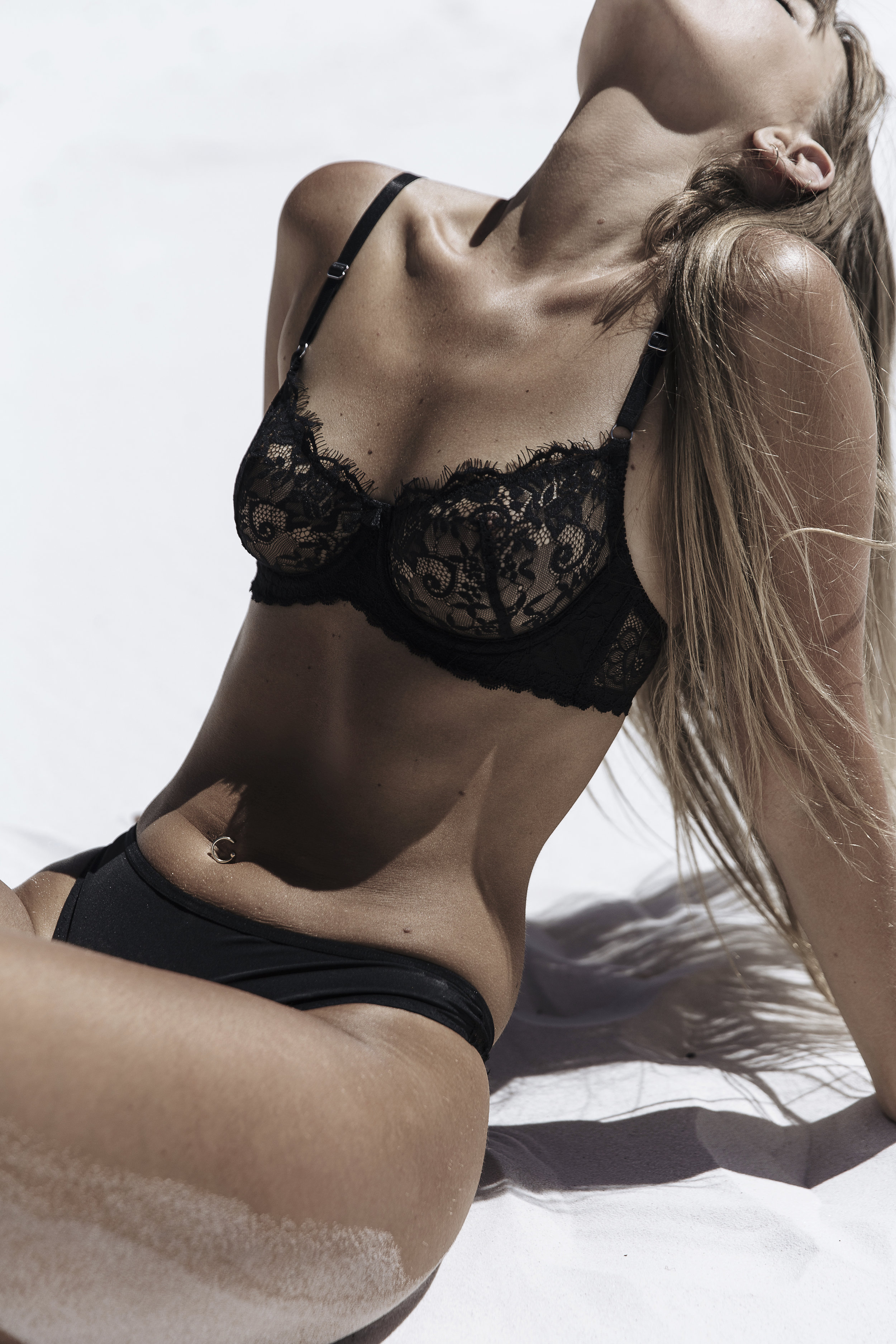 LACE CUP UNDERWIRE KAT THE LABEL.jpg