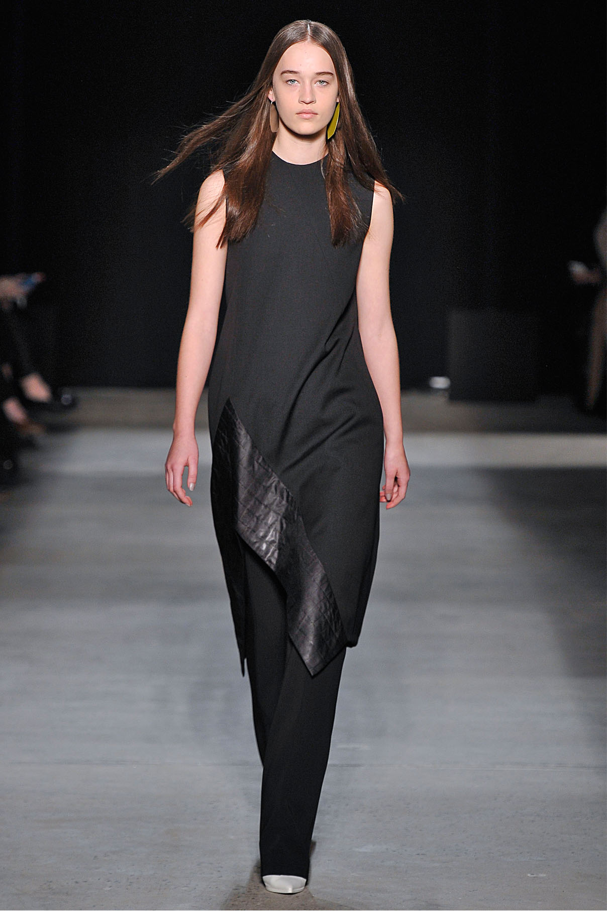 Look 8 Onyx silk wool barathea dress with onyx double wool crepe trouser.