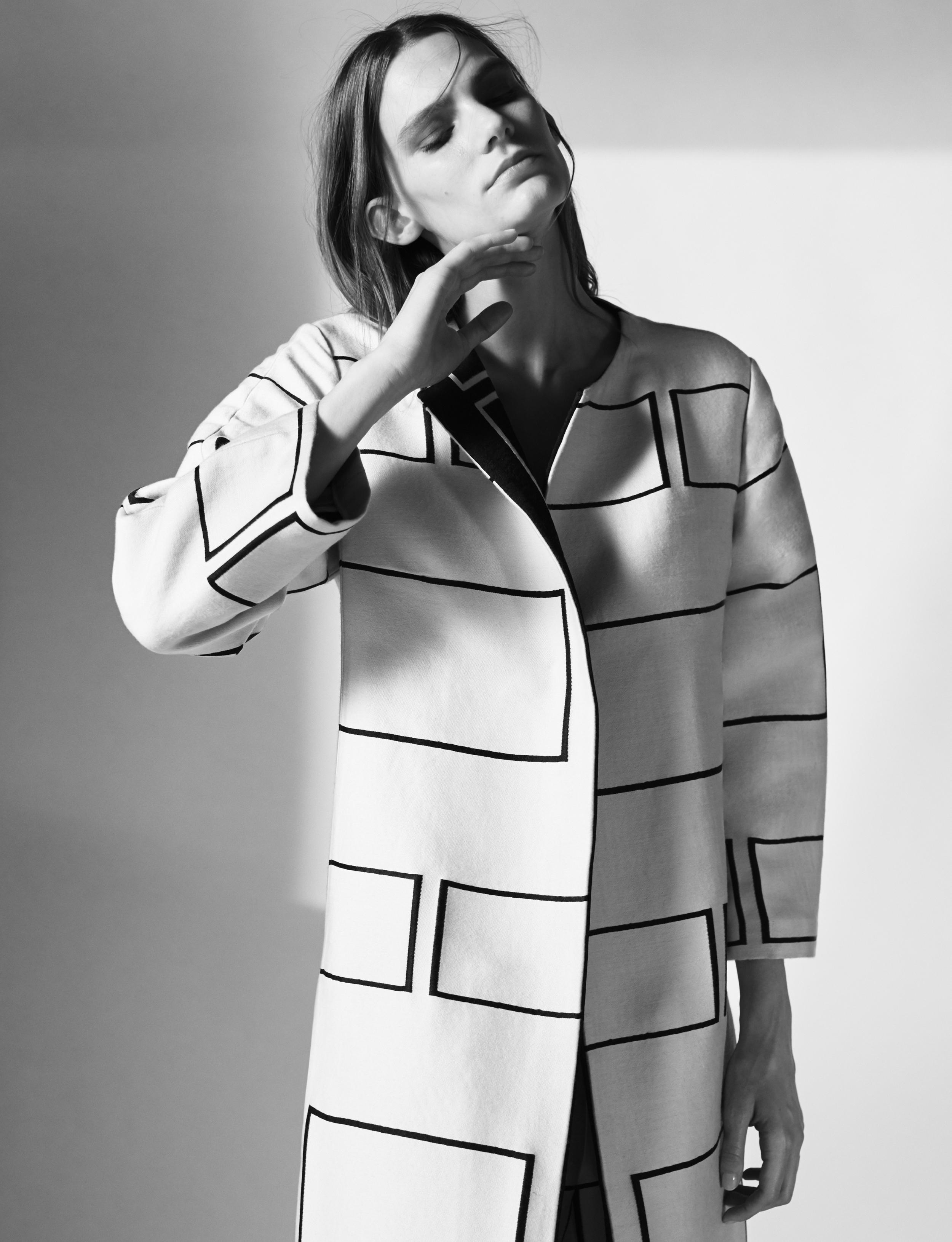 Look 4 Black/white wool jacquard graphic coat.