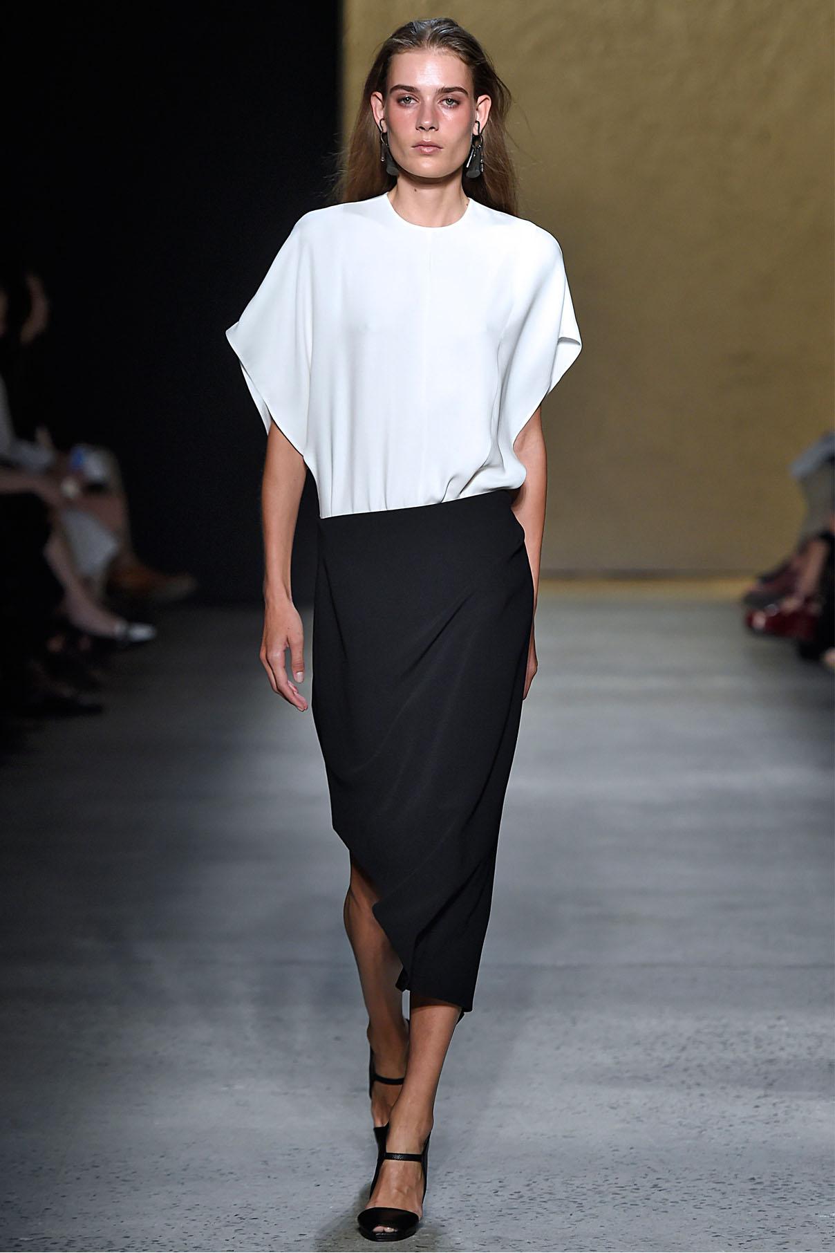 Look 14 Ecru silk crepe cutaway kimono top with black matte double crepe angle skirt.