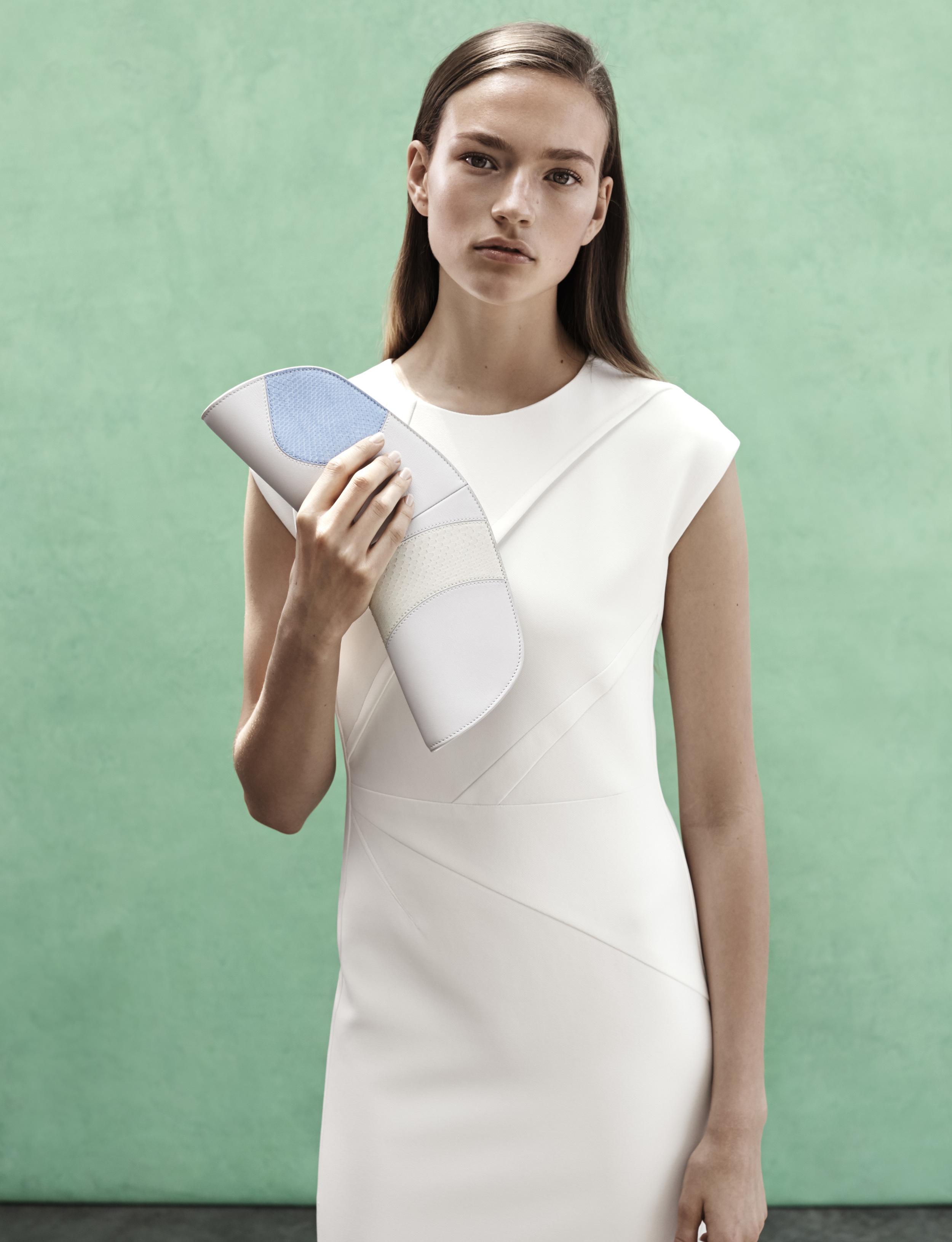 Look 1 White viscose crepe dress.