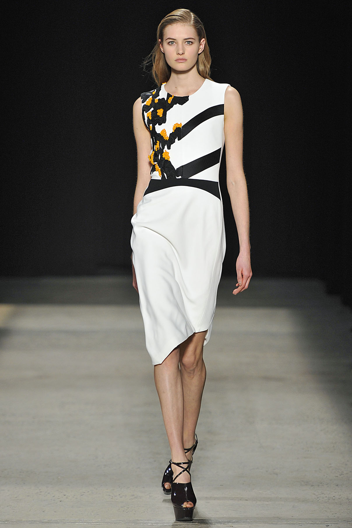 Look 16 White/black/orange embroidered dress.