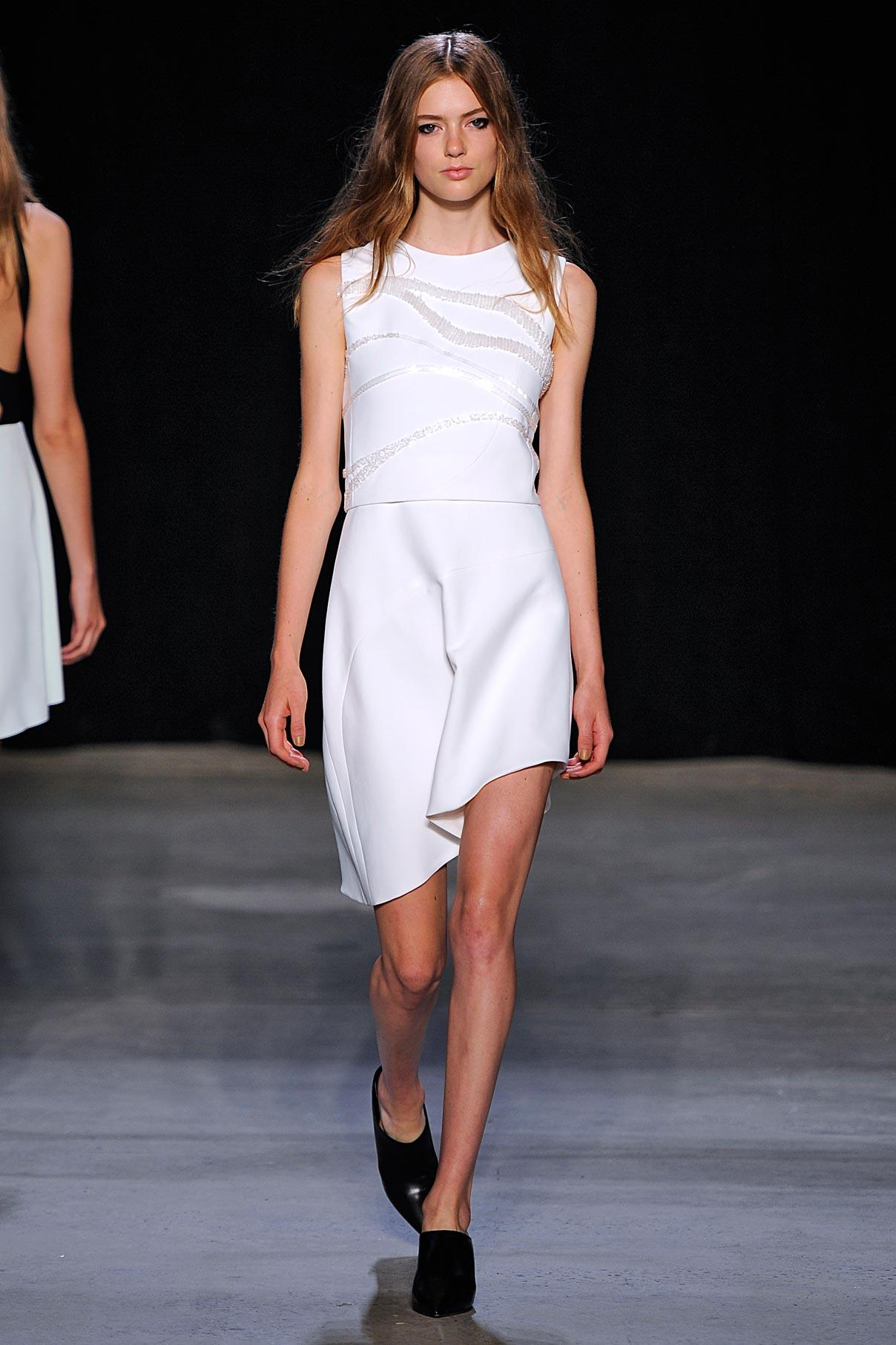 Look 14 White bonded crepe/ crystal embroidered dress.