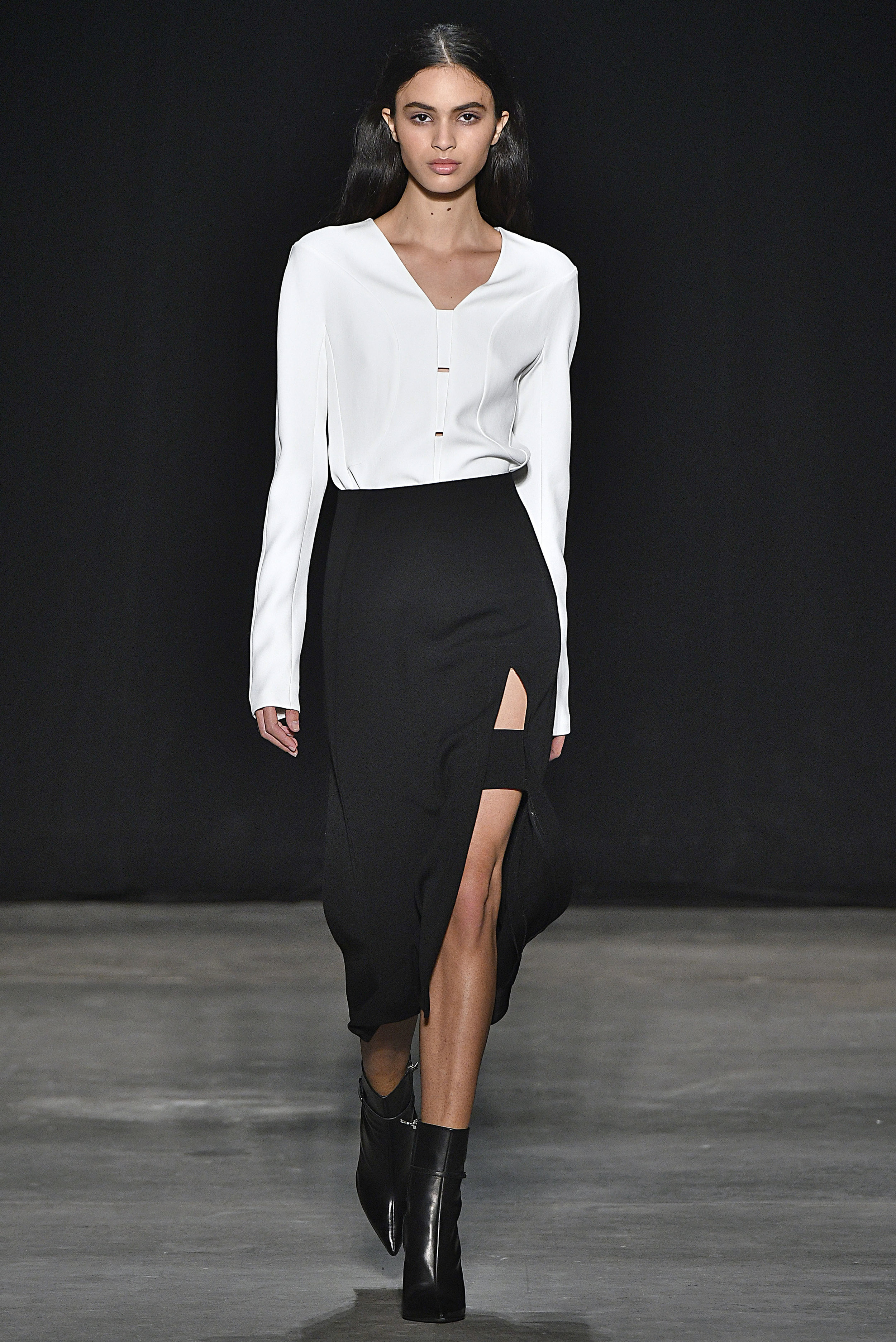 Narciso Rodriguez Fall 2017 collection. White twill crepe top with black wool barathea skirt.