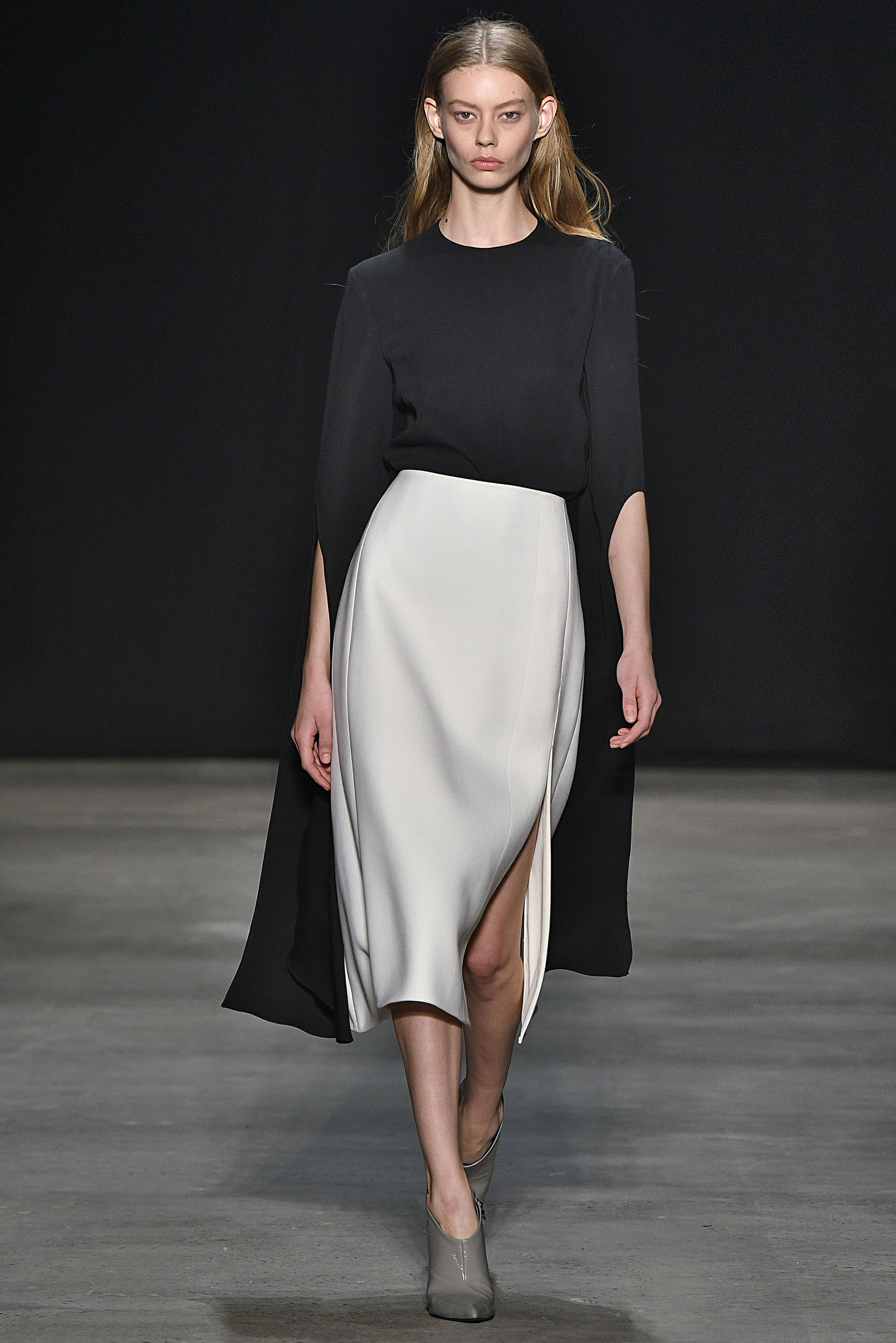 Narciso Rodriguez Fall 2017 collection. Black silk crepe top with ivory wool twill skirt.