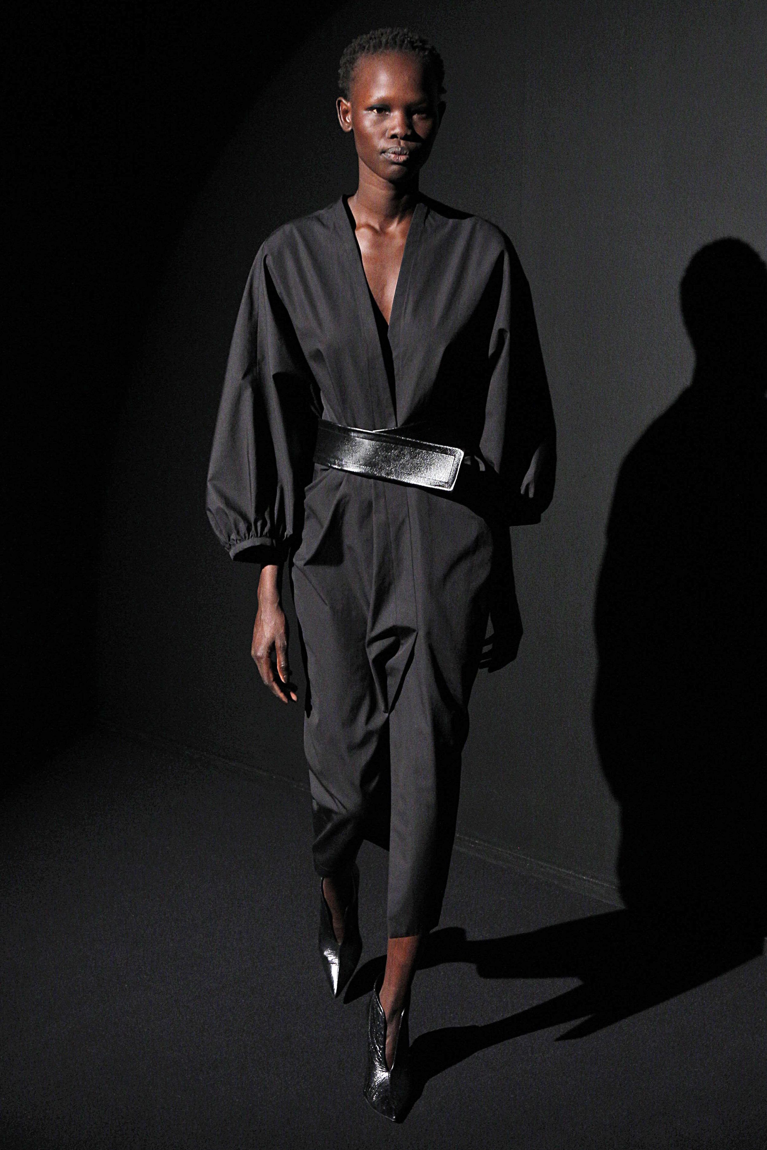 Look 6 Black cotton poplin dress with black leather belt.