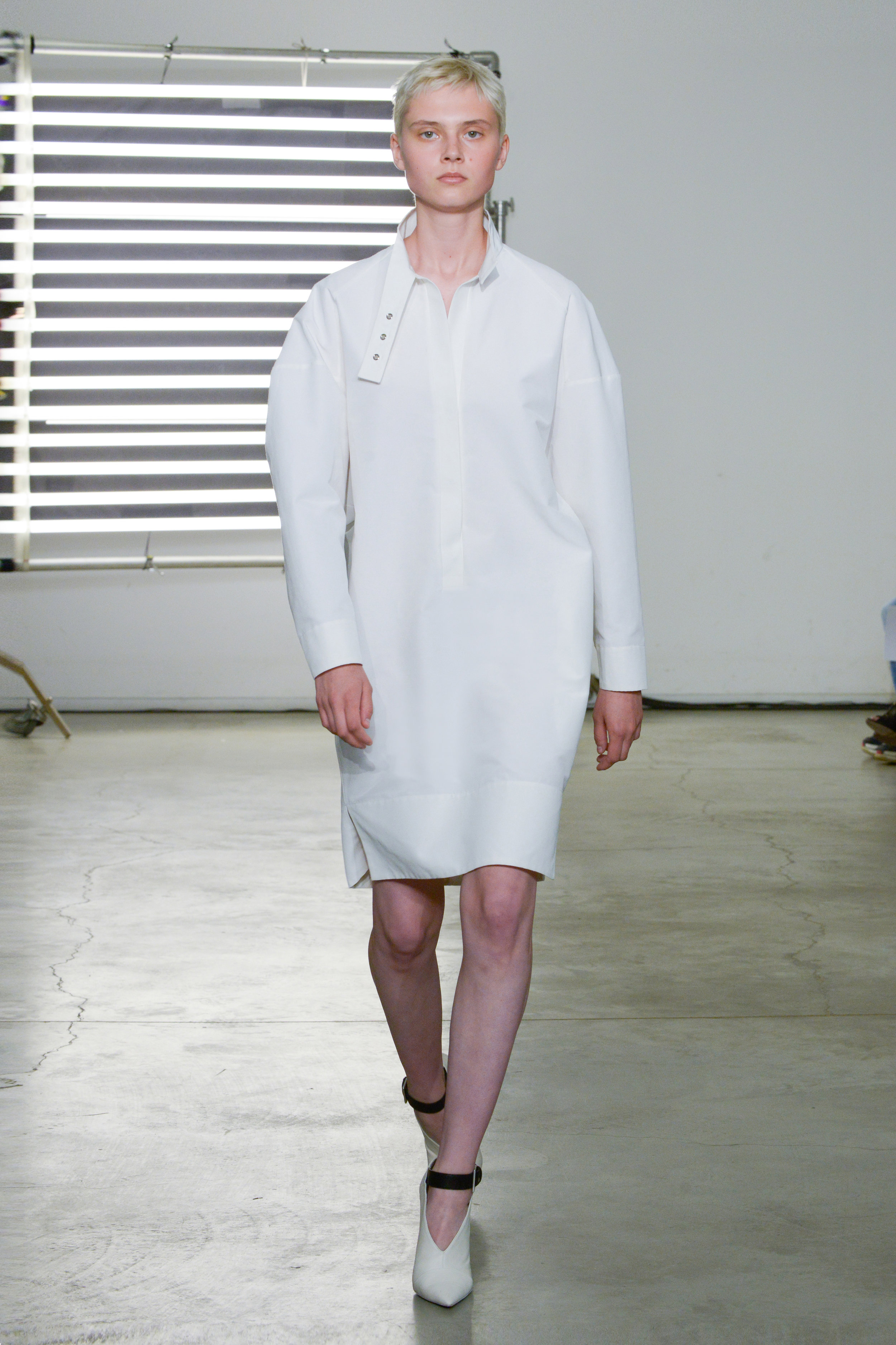 Look 11 White cotton/silk faille dress.