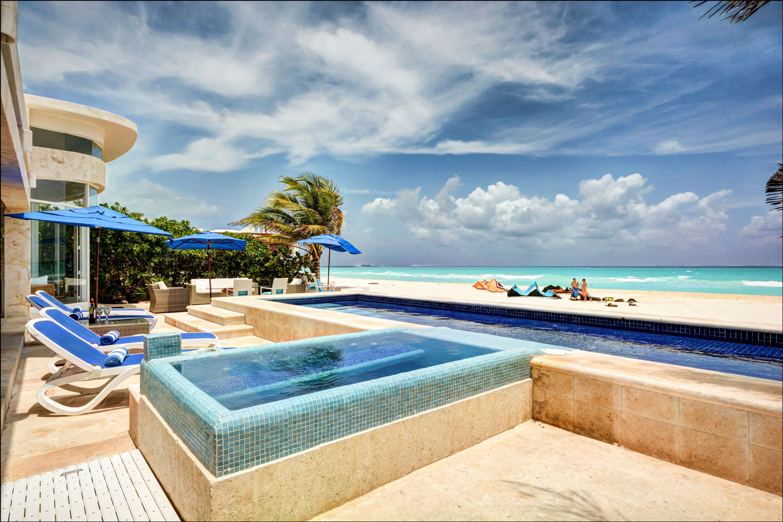 Maya_Luxe_Magazine_Riviera_Maya_Luxury_Vacations_Specialist_Where_to_Stay_Playa_del_Carmen_Playacar_Luxury_Villas_Beachfront_Beach_House_1.jpg