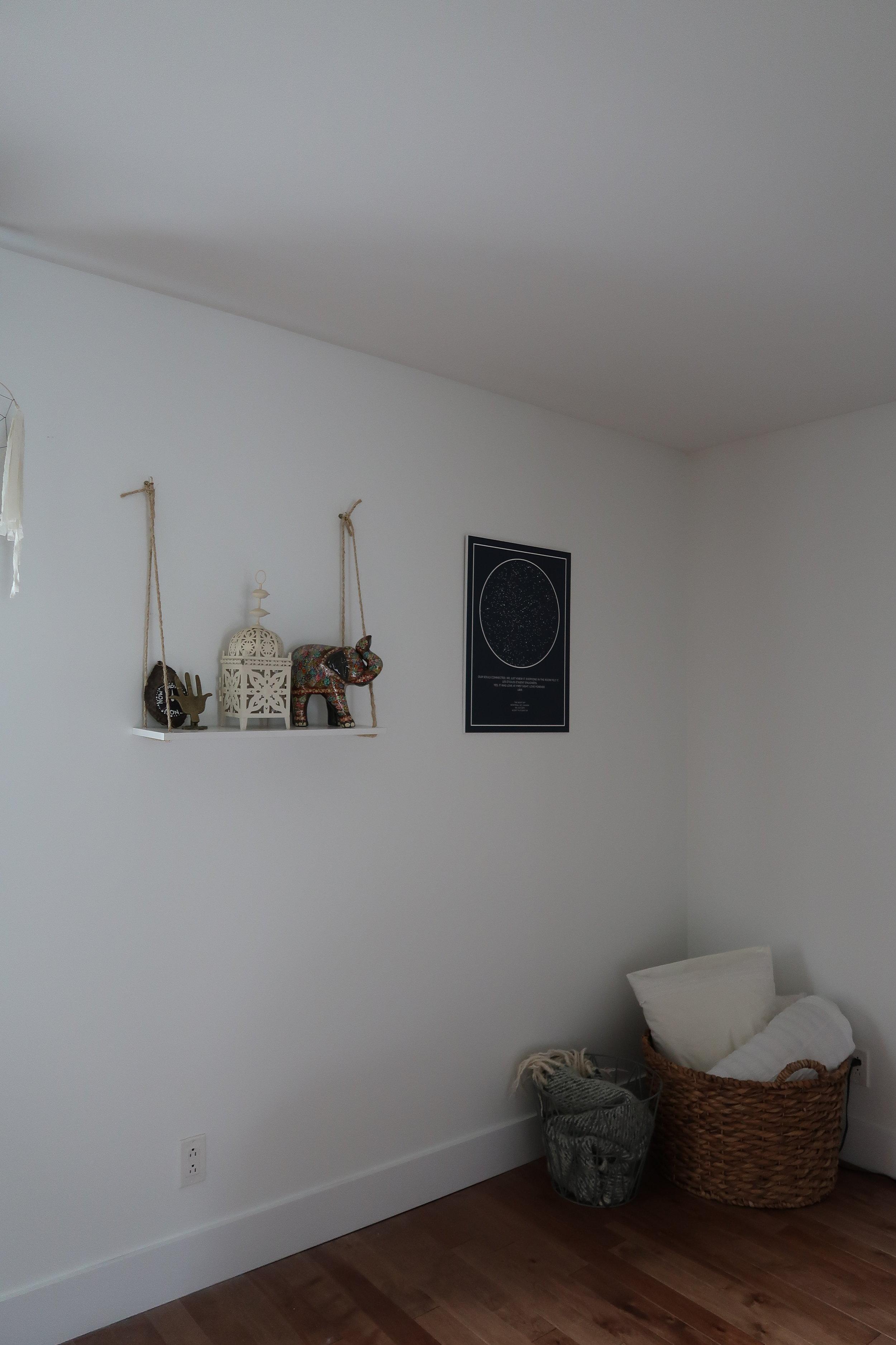 tablette, chambre, décoration chambre, home decor, bedroom decor. décoration chambre, diy bedroom, do it yourself, tablette accrochée, tablette suspendue