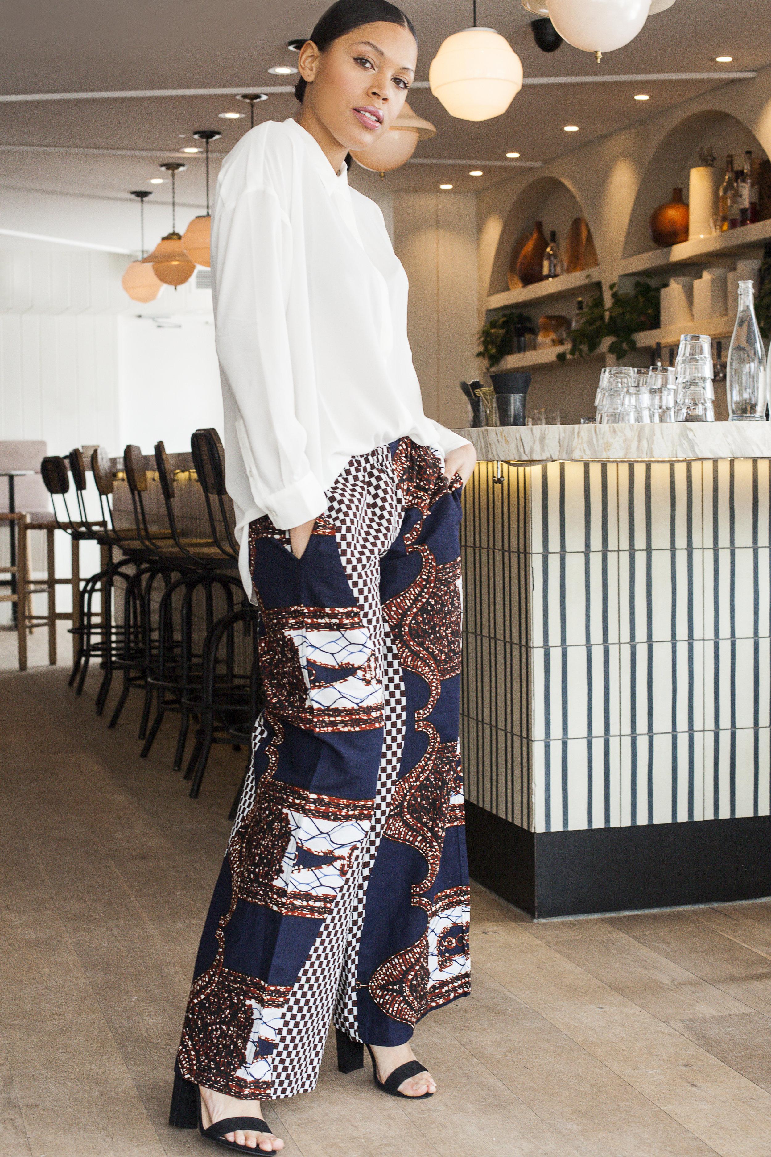 Crédit photo: Valérie Boulet  Lieu: Gypsy café + bar  Vêtements: Batik Boutik