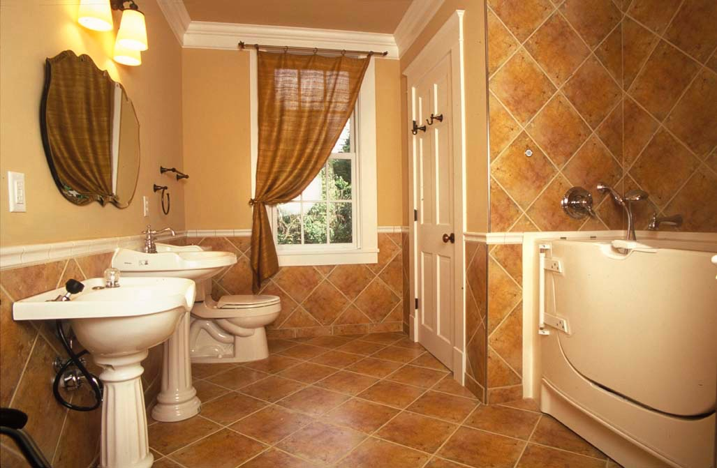 Tudor interior2.jpg