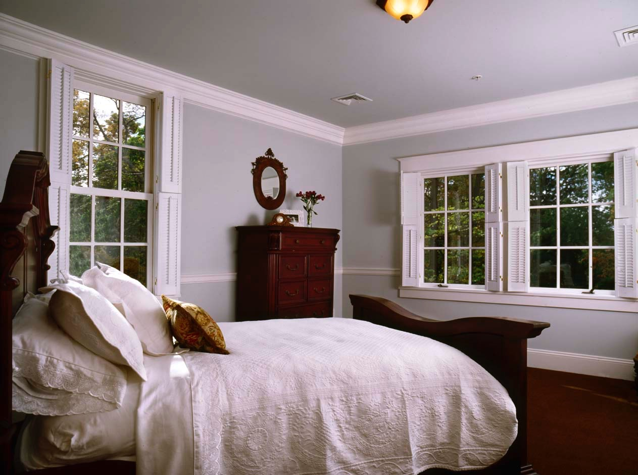 Tudorbedroom.jpg