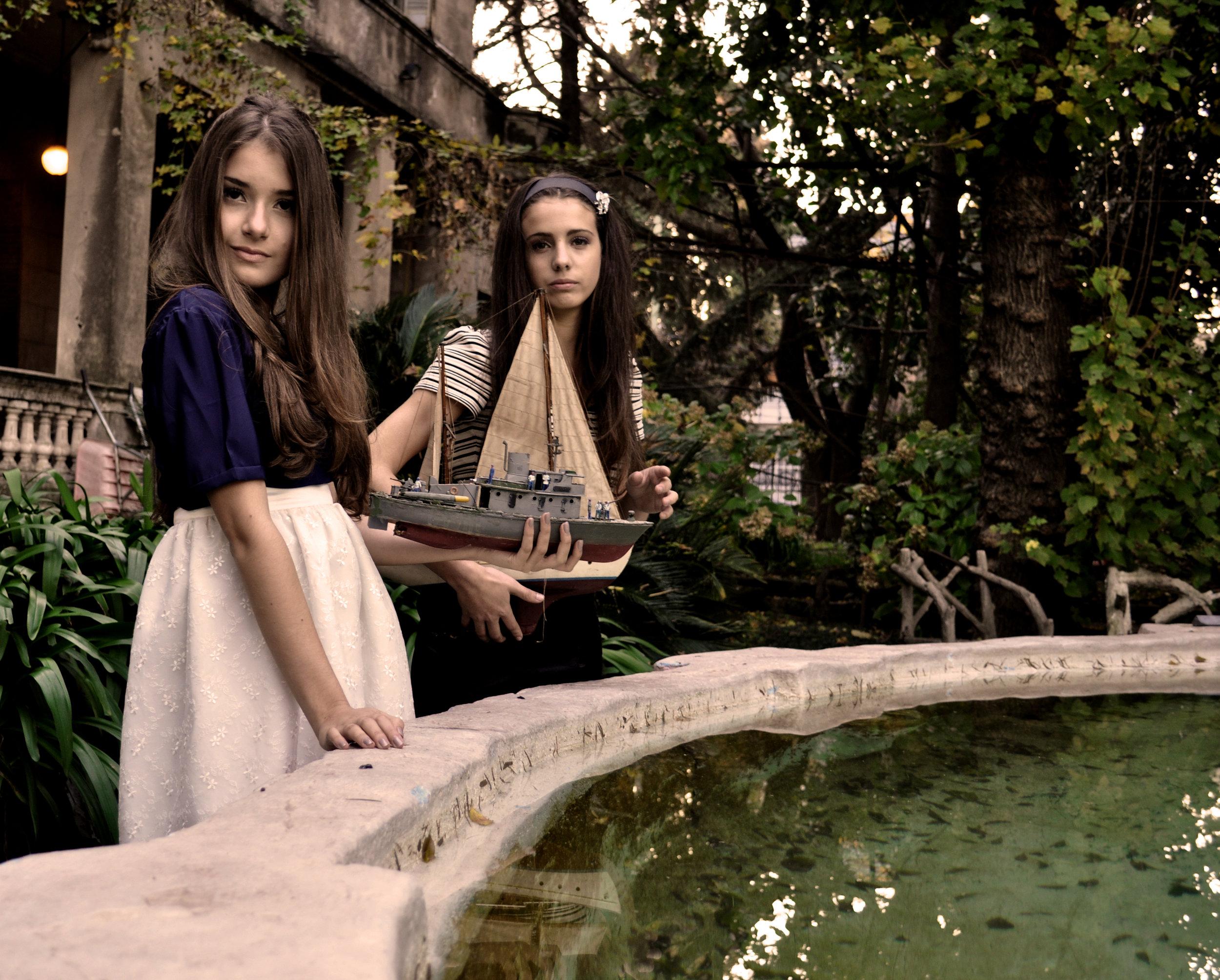 Nuestra Primer Campaña: Vale mi hermana Y Lui Darthes de modelos, foto por Flor Macedonio