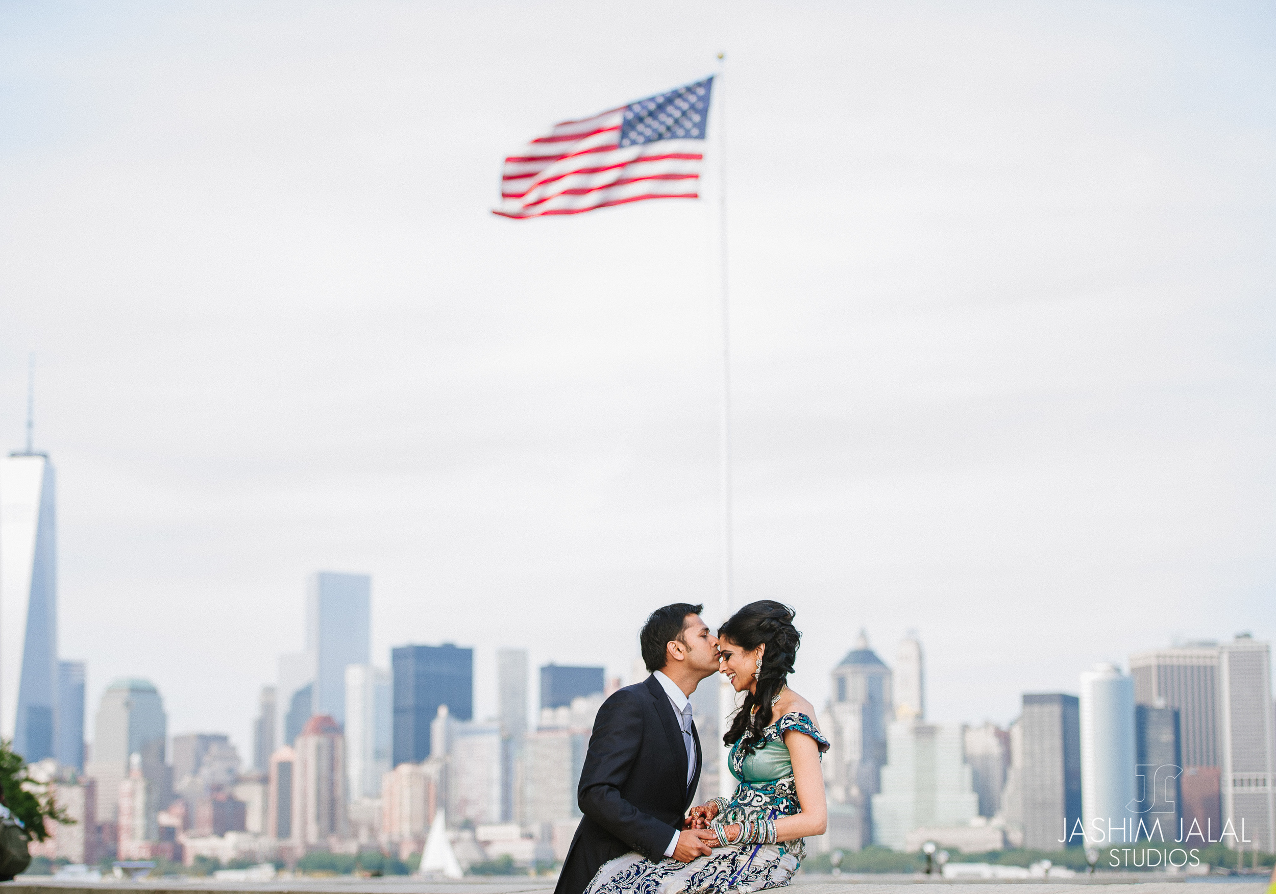 INDIAN COUPLE NYC SKYLINE