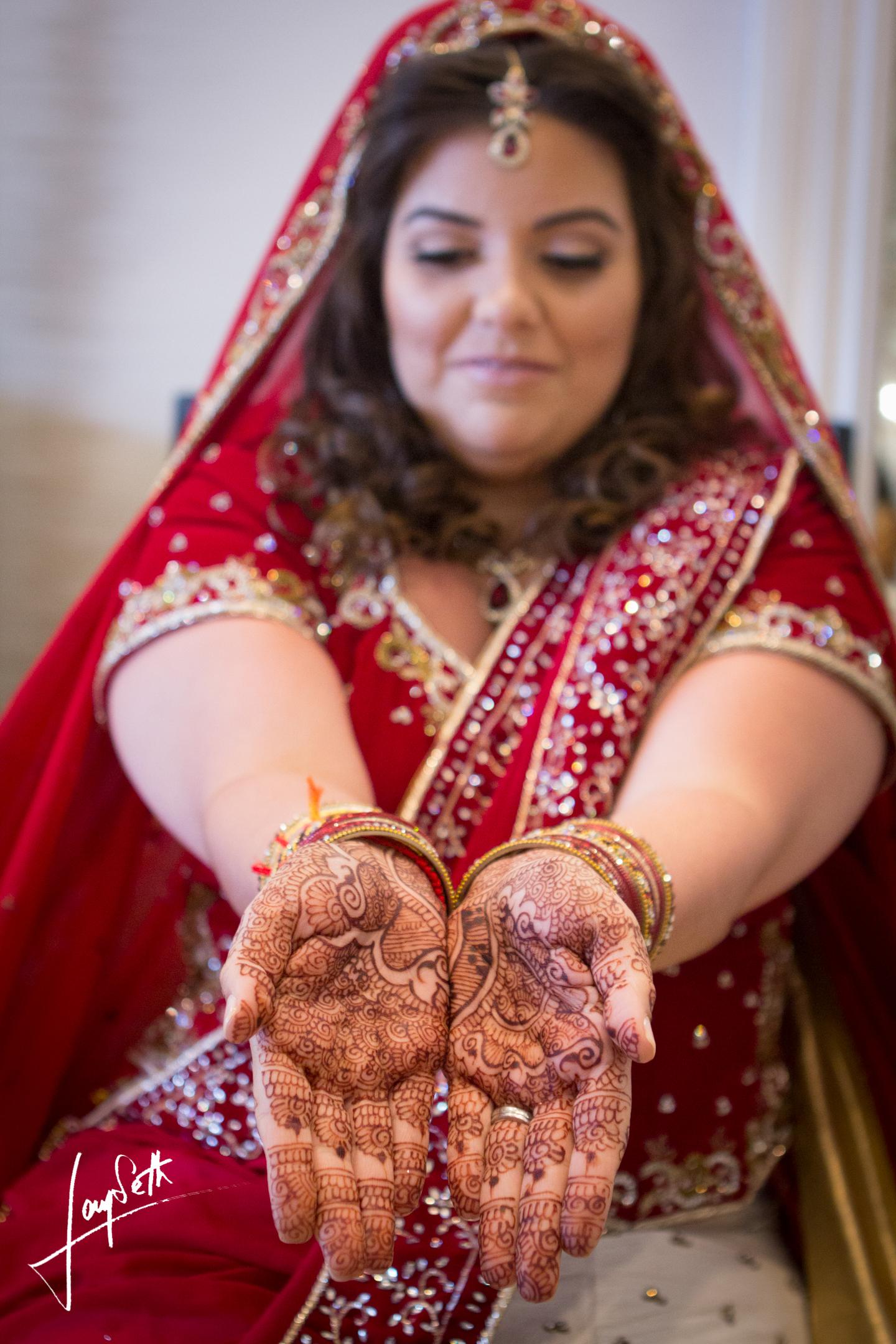 BRIDE WITH MEHNDI