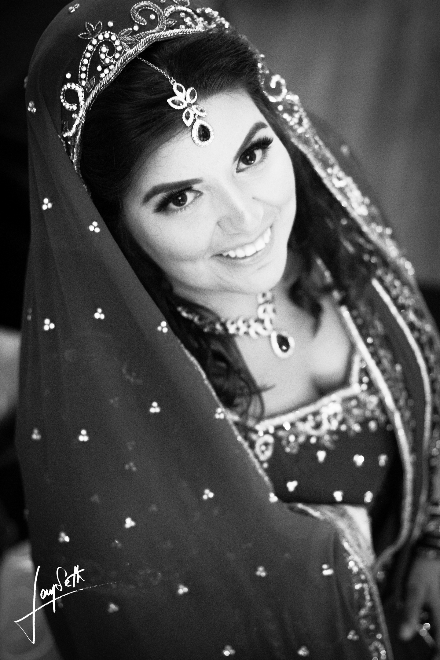 BLACK AND WHITE INDIAN BRIDE
