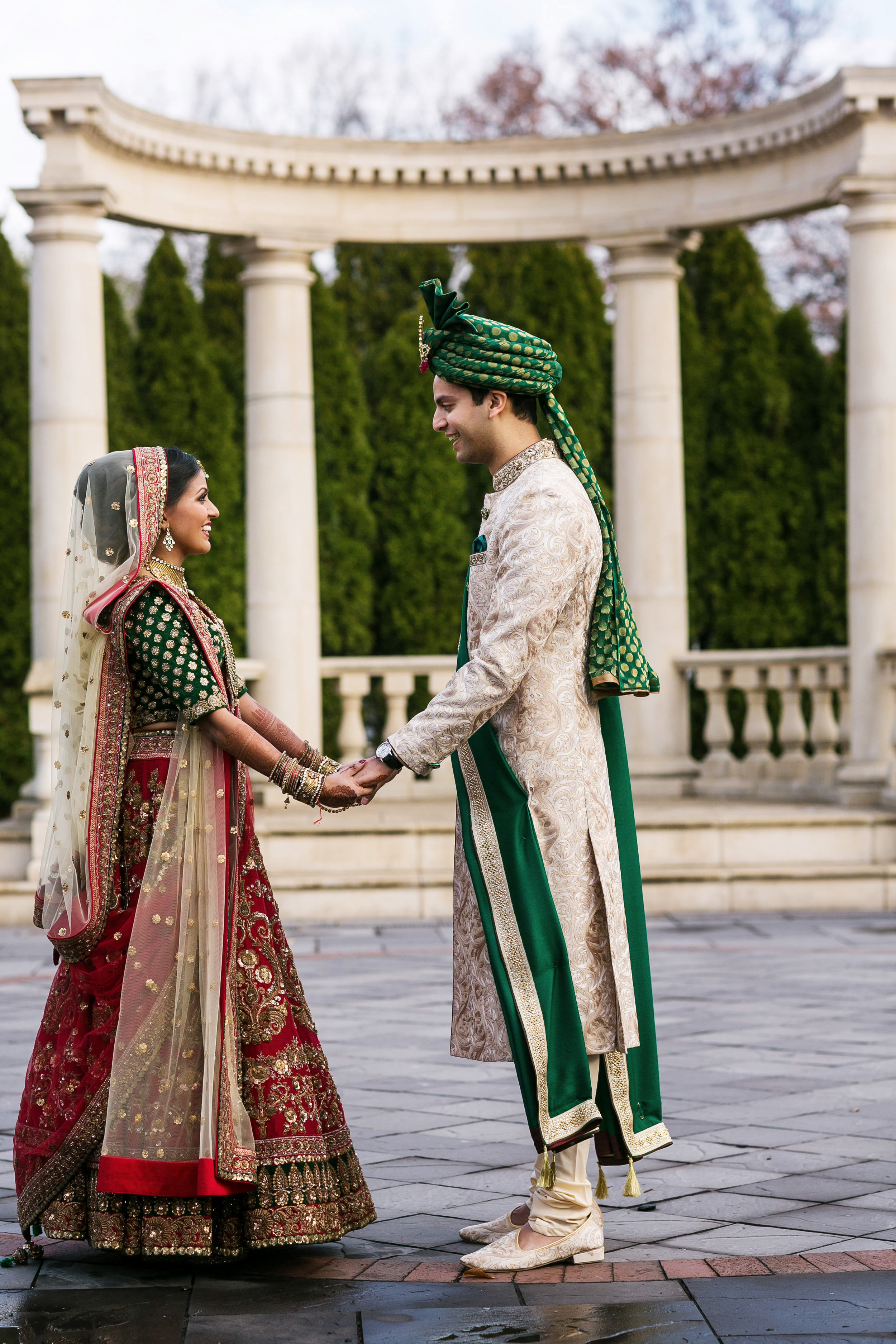 INDIAN GROOM AND BRIDE FIRST LOOK.JPG