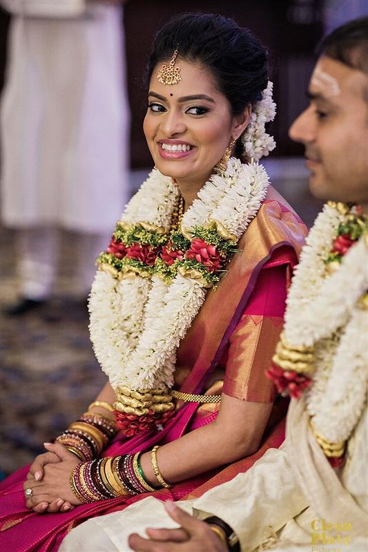 INDIAN WEDDING BRIDE AND GROOM FLOWER GARLAND.jpg