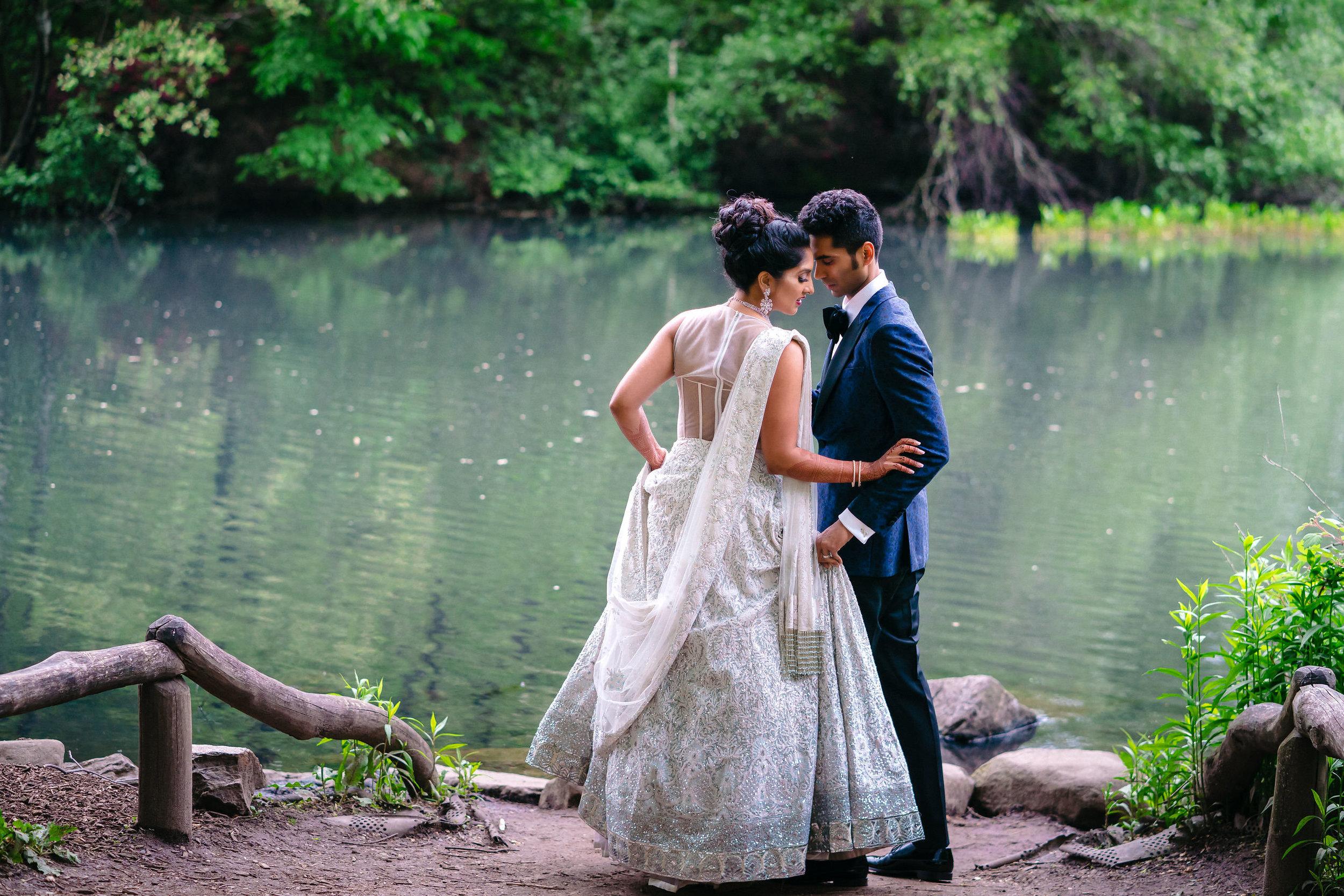 INDIAN WEDDING BRIDE AND GROOM CENTRAL PARK SHOT.JPG