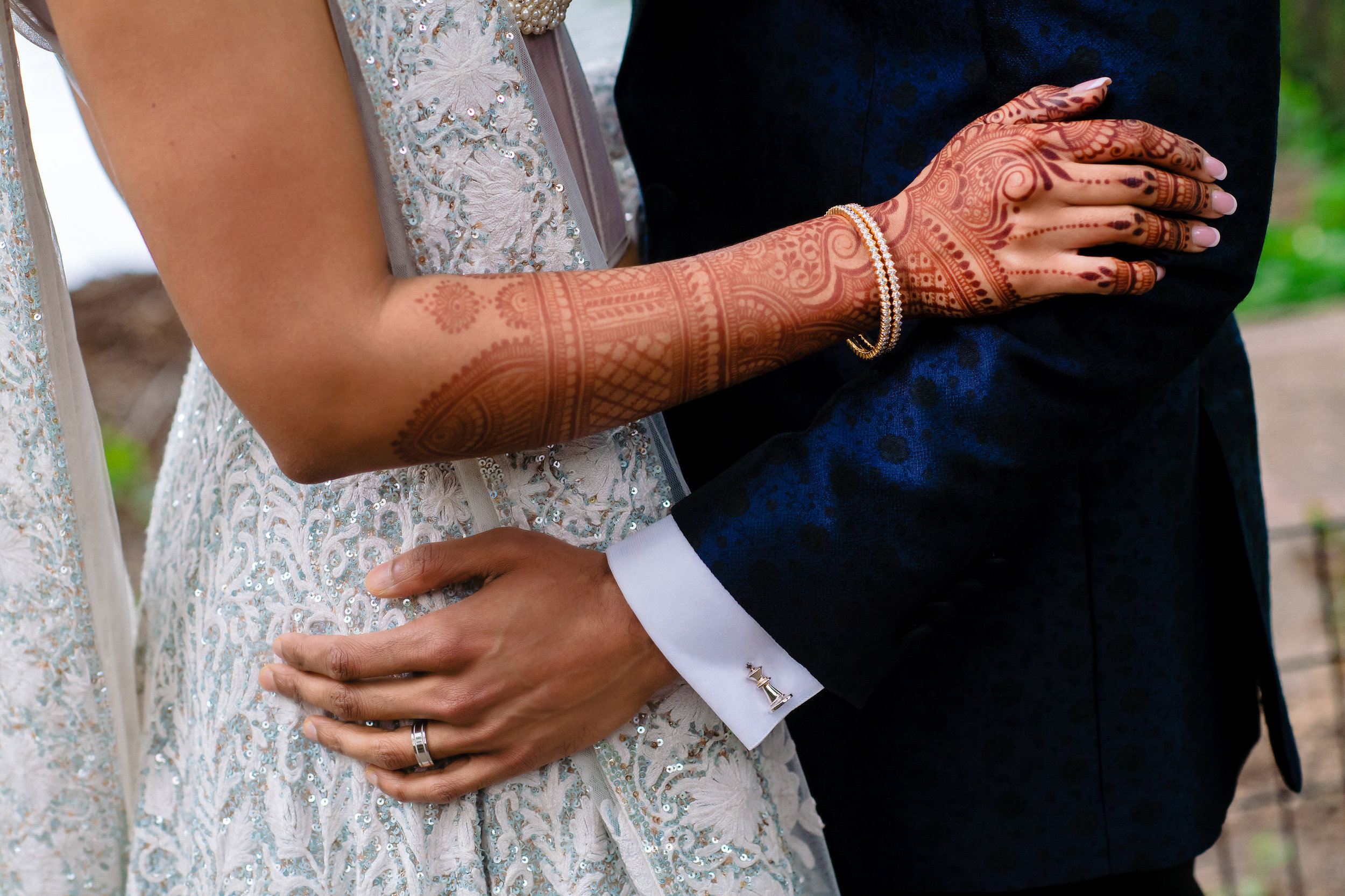INDIAN WEDDING BRIDE AND GROOM HANDS CLOSEUP.JPG