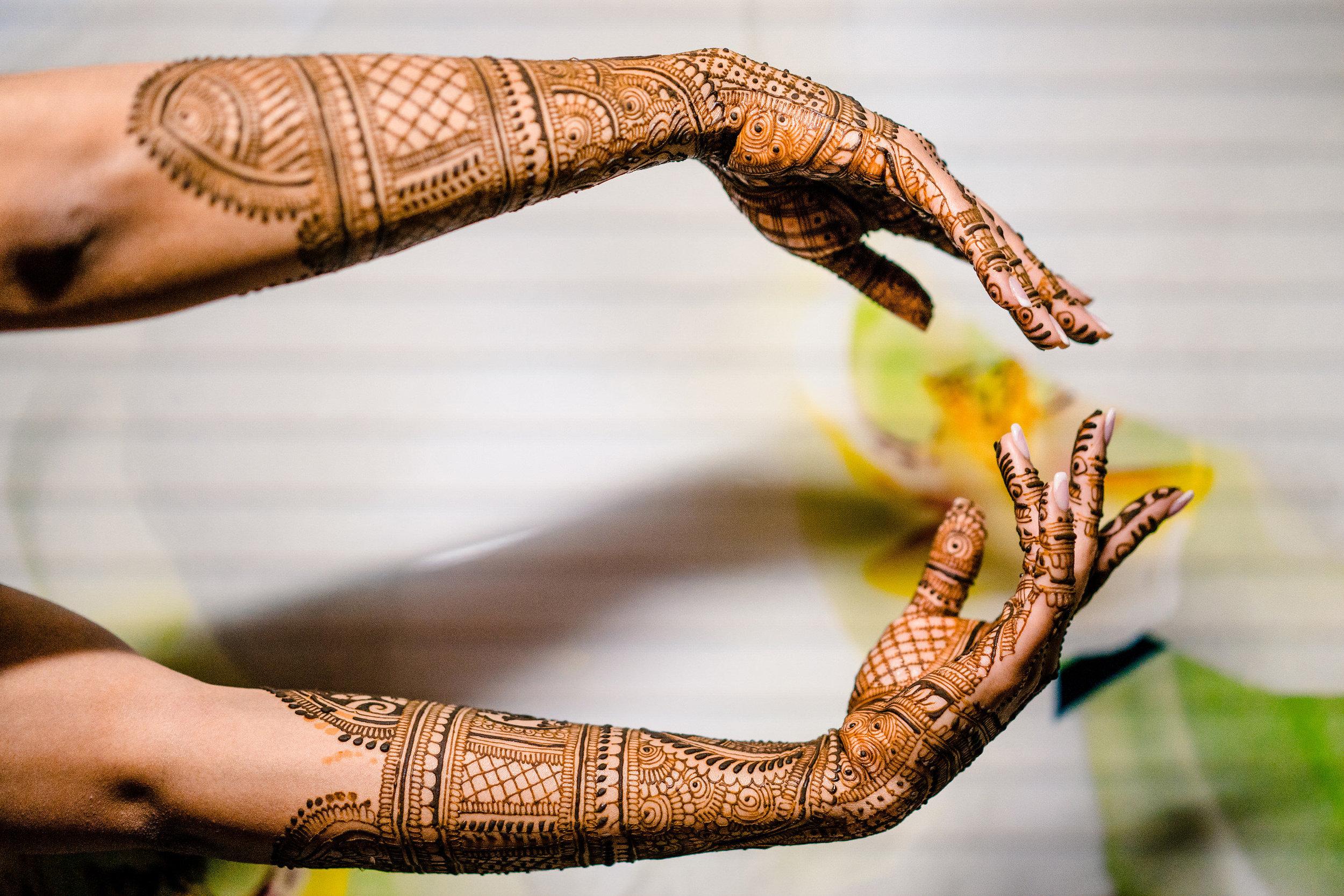 INDIAN WEDDING BRIDE HENNA2.JPG