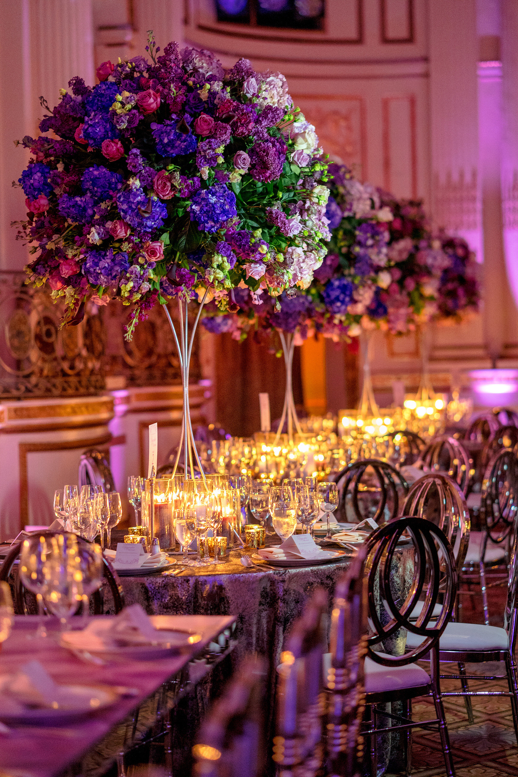 INDIAN WEDDING RECEPTION TABLE SETTING WITH CENTERPIECE.JPG